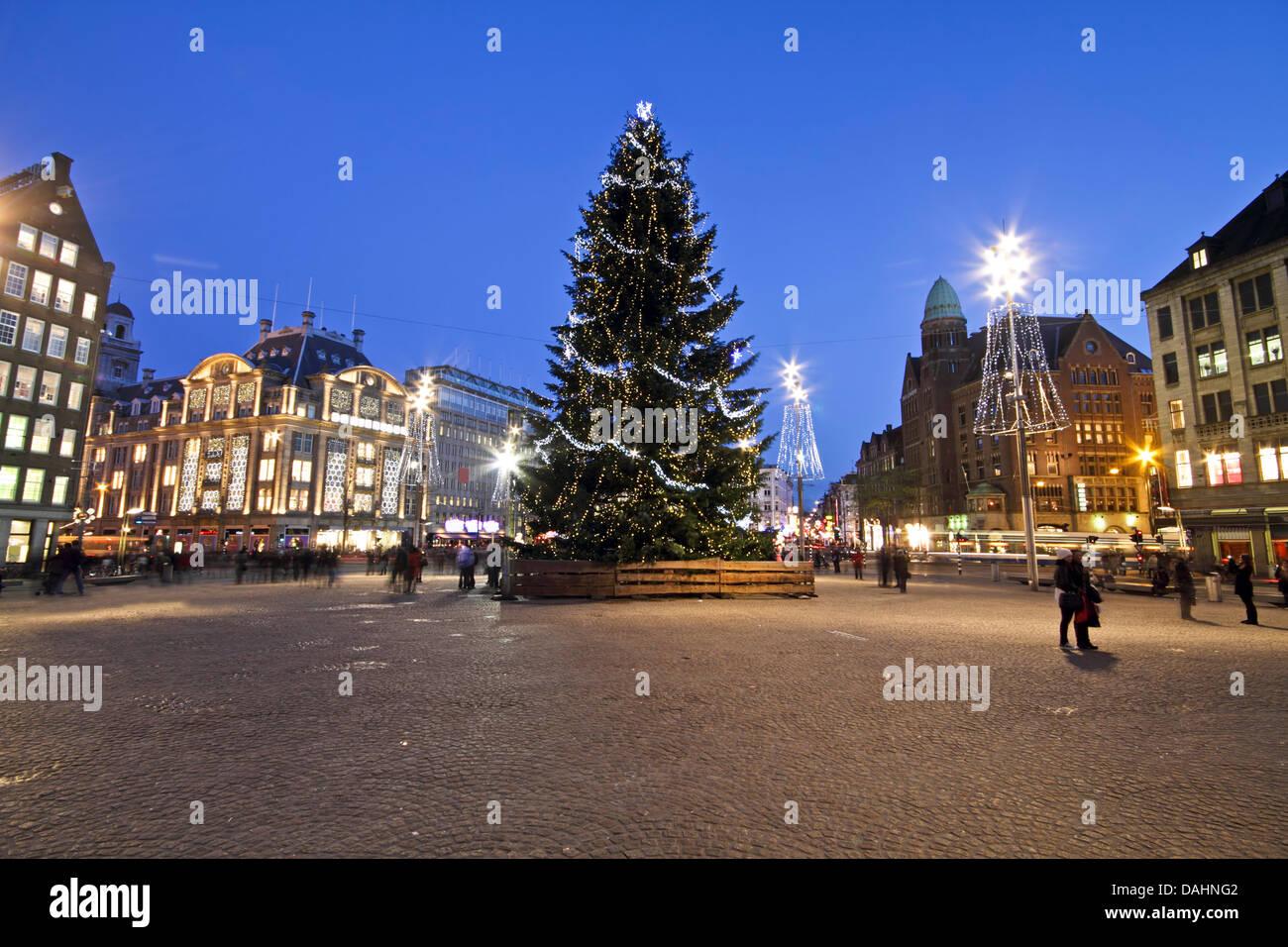Die Dam zu Weihnachten in Amsterdam Niederlande Stockfoto, Bild ...