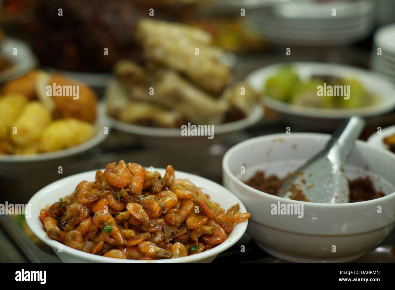 Vietnam Küche | Vietnamesische Kuche Zum Verkauf An Ein Beliebtes Restaurant In