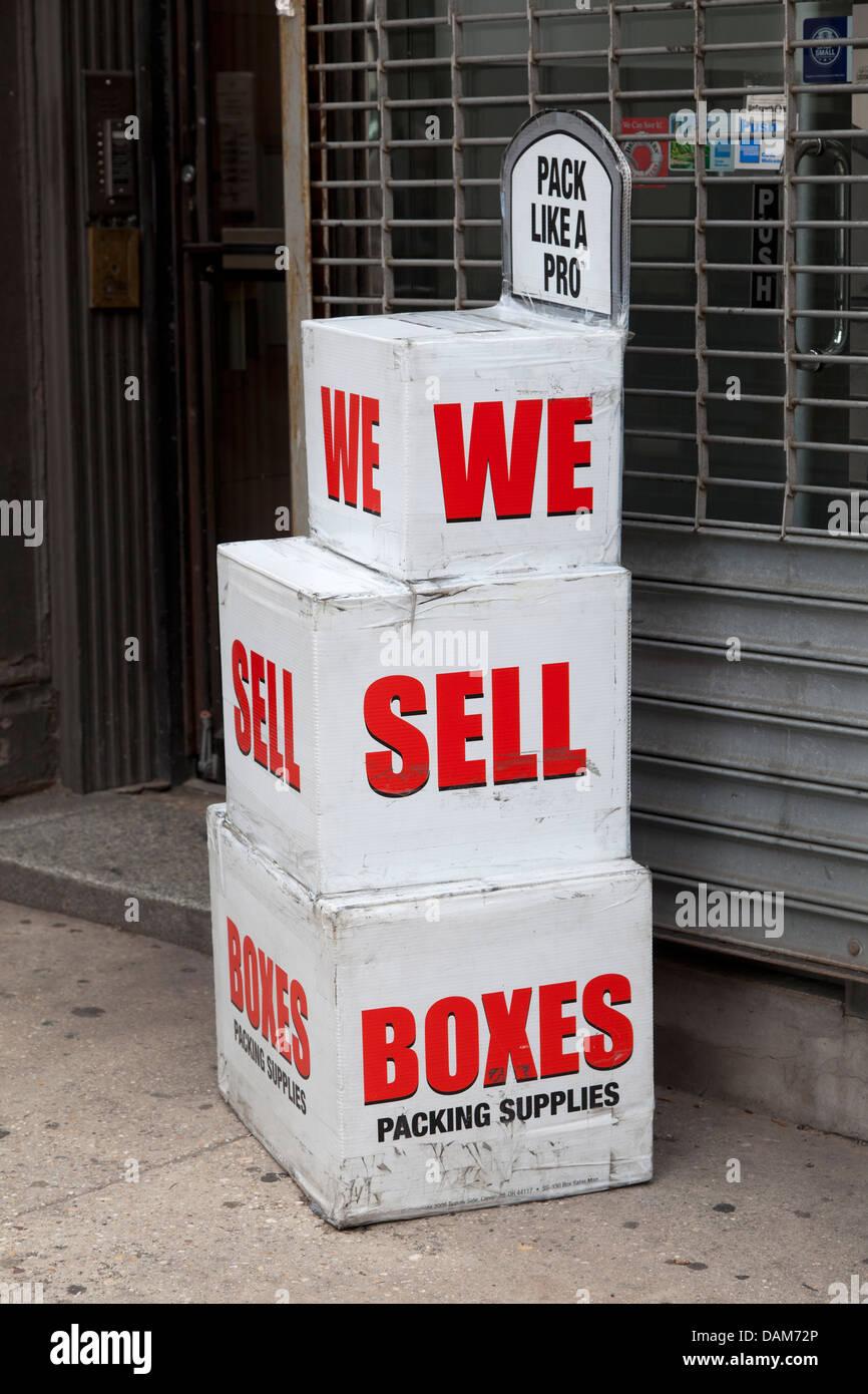 Boxen als Werbung in den Straßen von New York City. Stockbild