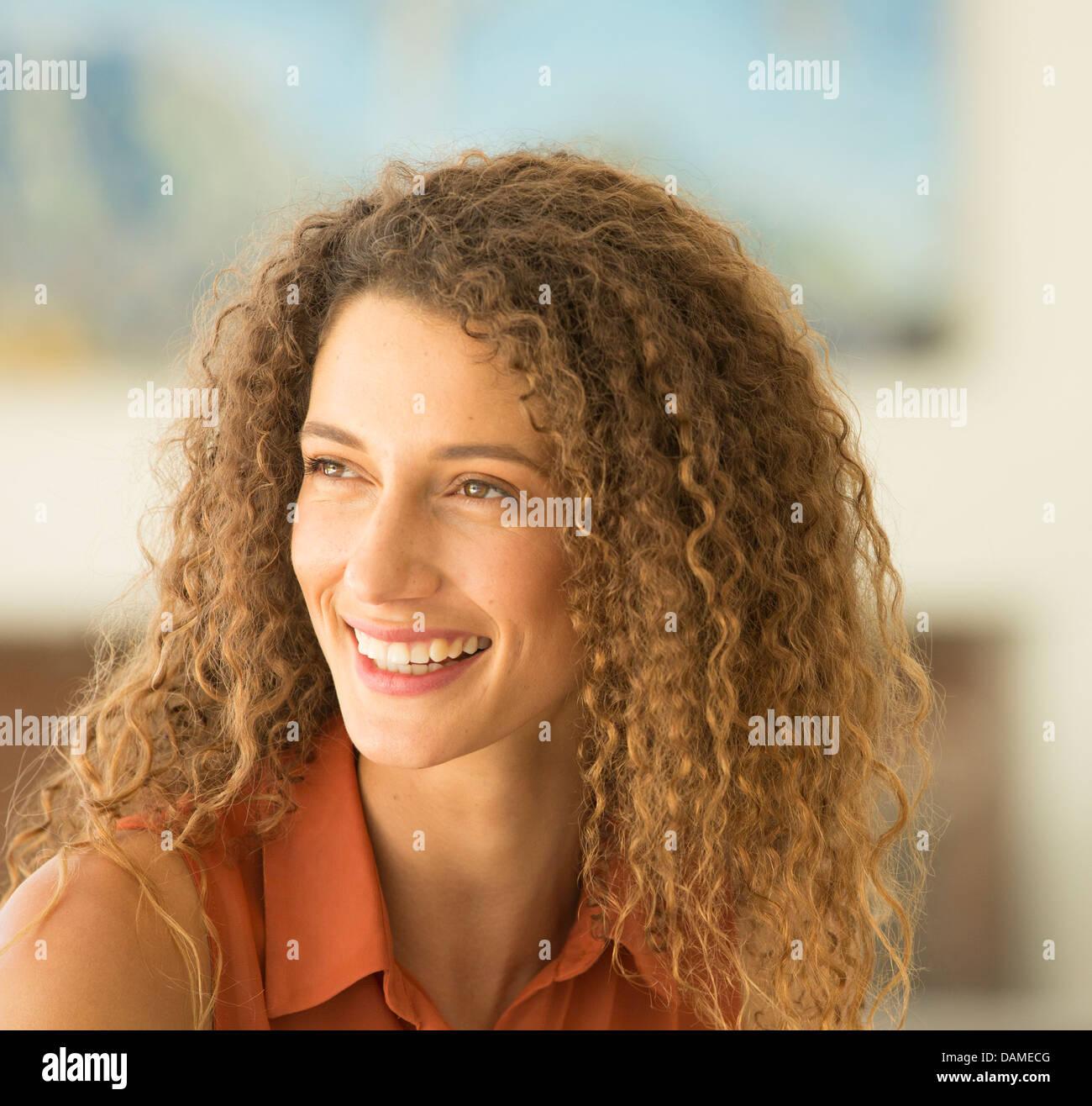 Nahaufnahme eines Weibes lächelndes Gesicht Stockbild