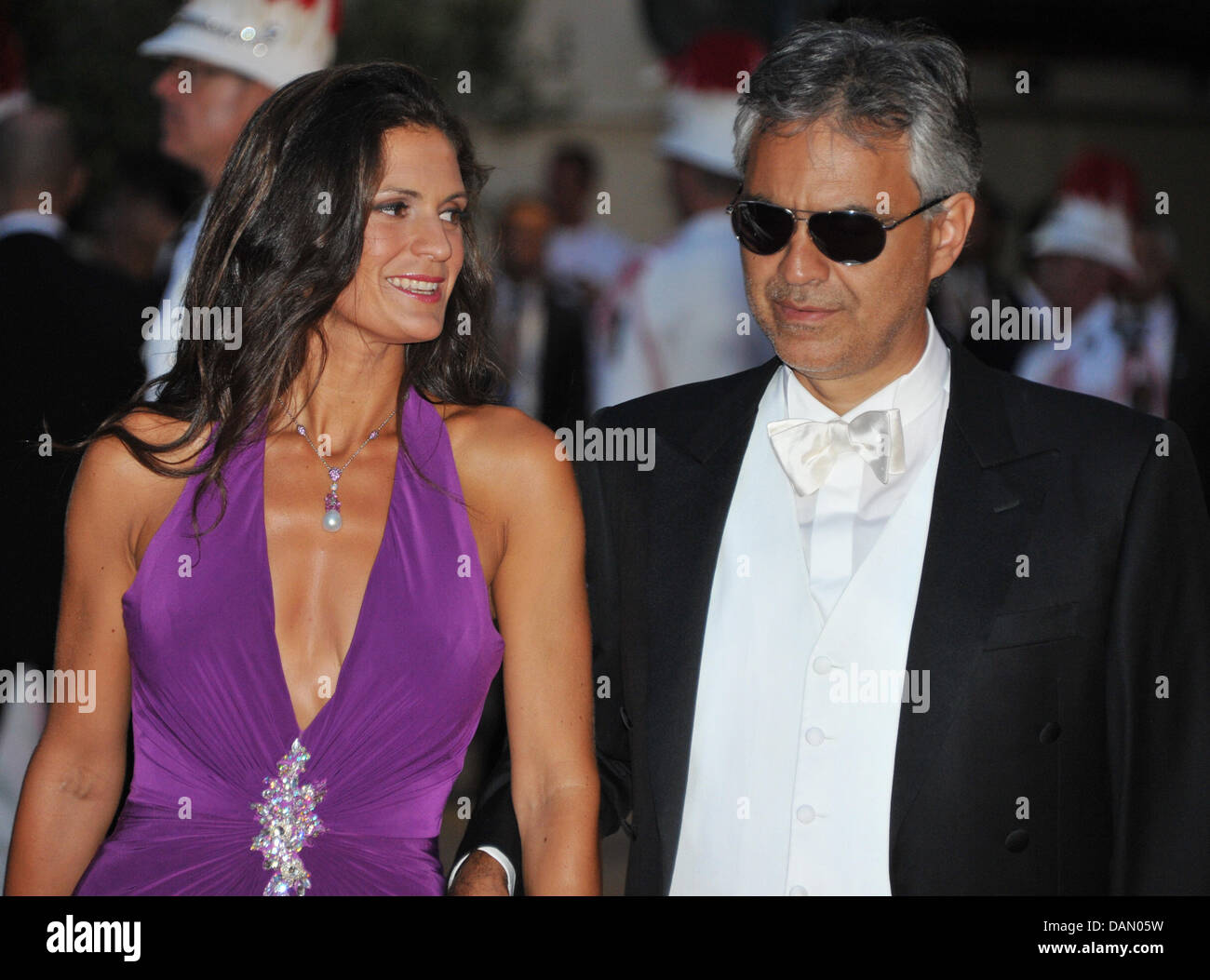 veronica bocelli and andrea bocelli stockfotos veronica bocelli and andrea bocelli bilder. Black Bedroom Furniture Sets. Home Design Ideas