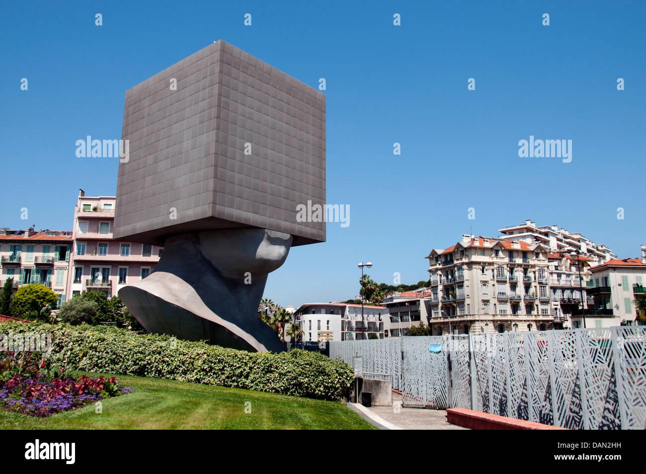 Museum der moderne & Contemporary Art Jardin Maréchal Juin ...
