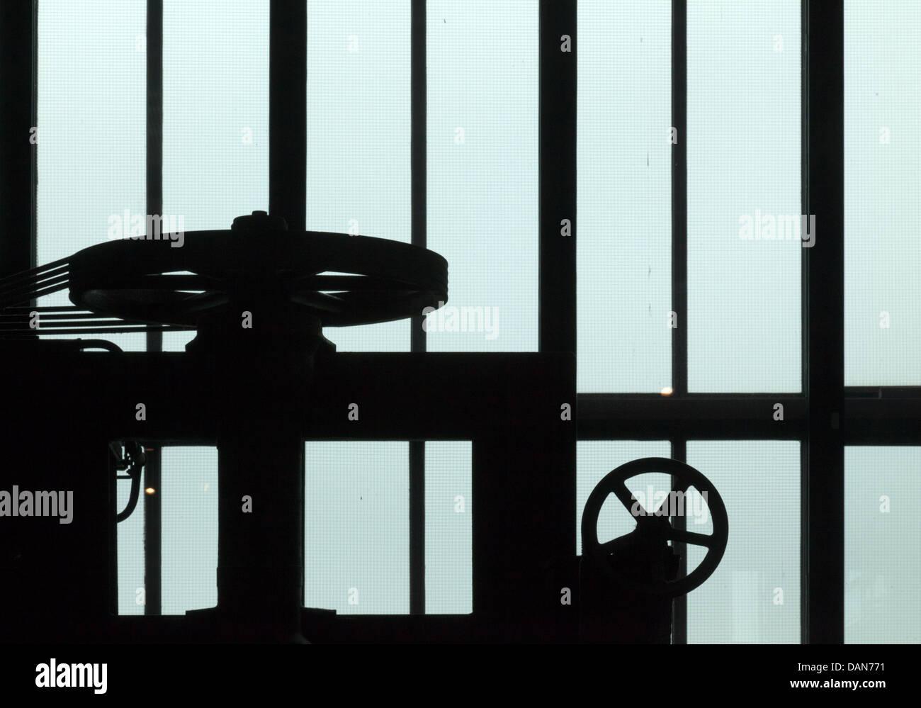 Groß Drahtglasfenster Galerie - Elektrische Schaltplan-Ideen ...