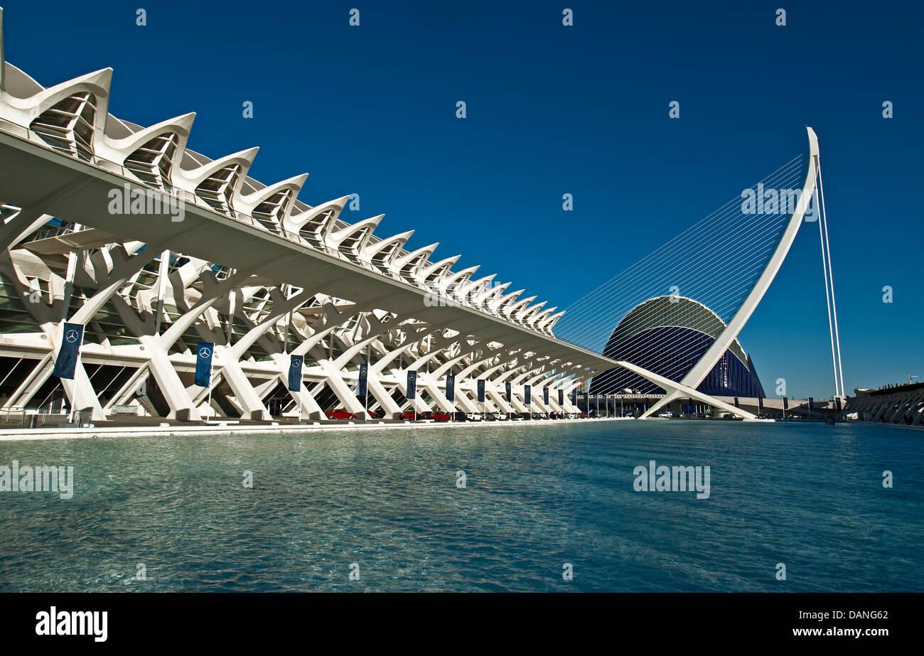 Valencias Stadt der Künste und Wissenschaften mit Prinz Felipe Museum der Wissenschaft an Links und Hemisferic Stockbild