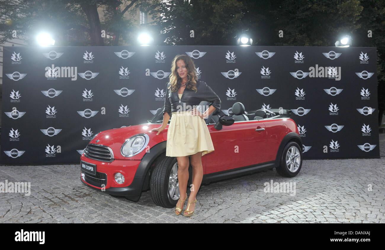Die Tochter von Mick Jagger, Designerin Jade Jagger, besucht die deutsche Erstaufführung der Mini inspiriert Stockbild