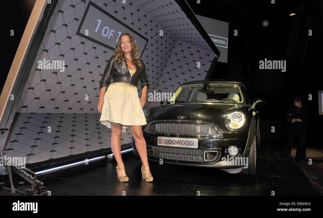 Die Tochter von Mick Jagger, Designerin Jade Jagger, stellt während der Deutschland-Premiere der Mini-inspiriert Stockbild
