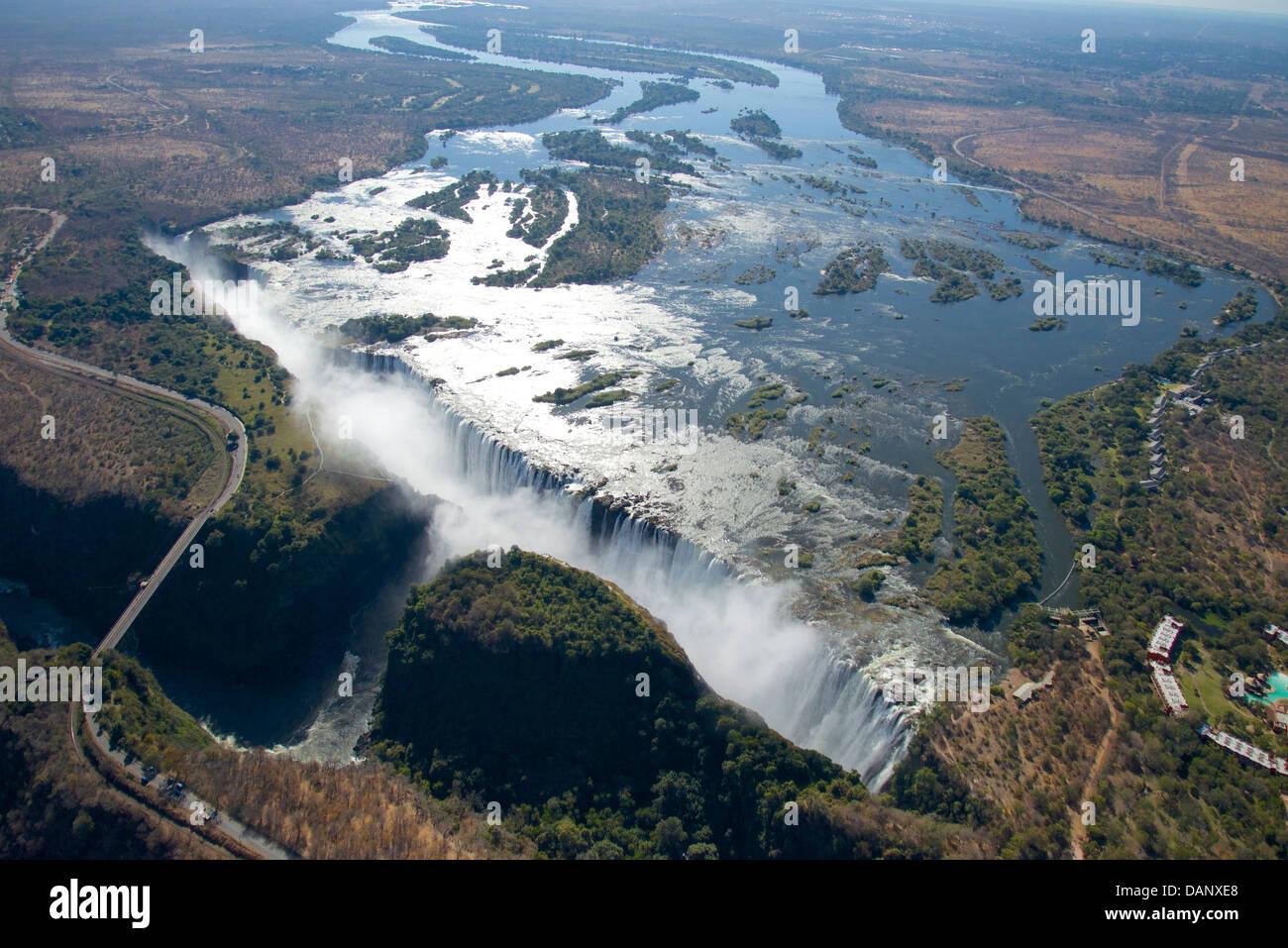 Sambesi an den Victoria Fällen, ein Weltkulturerbe, Grenze zwischen Simbabwe und Sambia und eine Welt berühmten Stockfoto