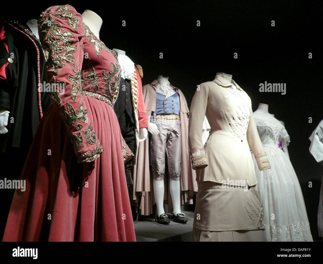 Besucher können originale Trachten bewundern, die von Stars wie Audrey Hepburn und Anita Ekberg getragen wurden, Stockbild