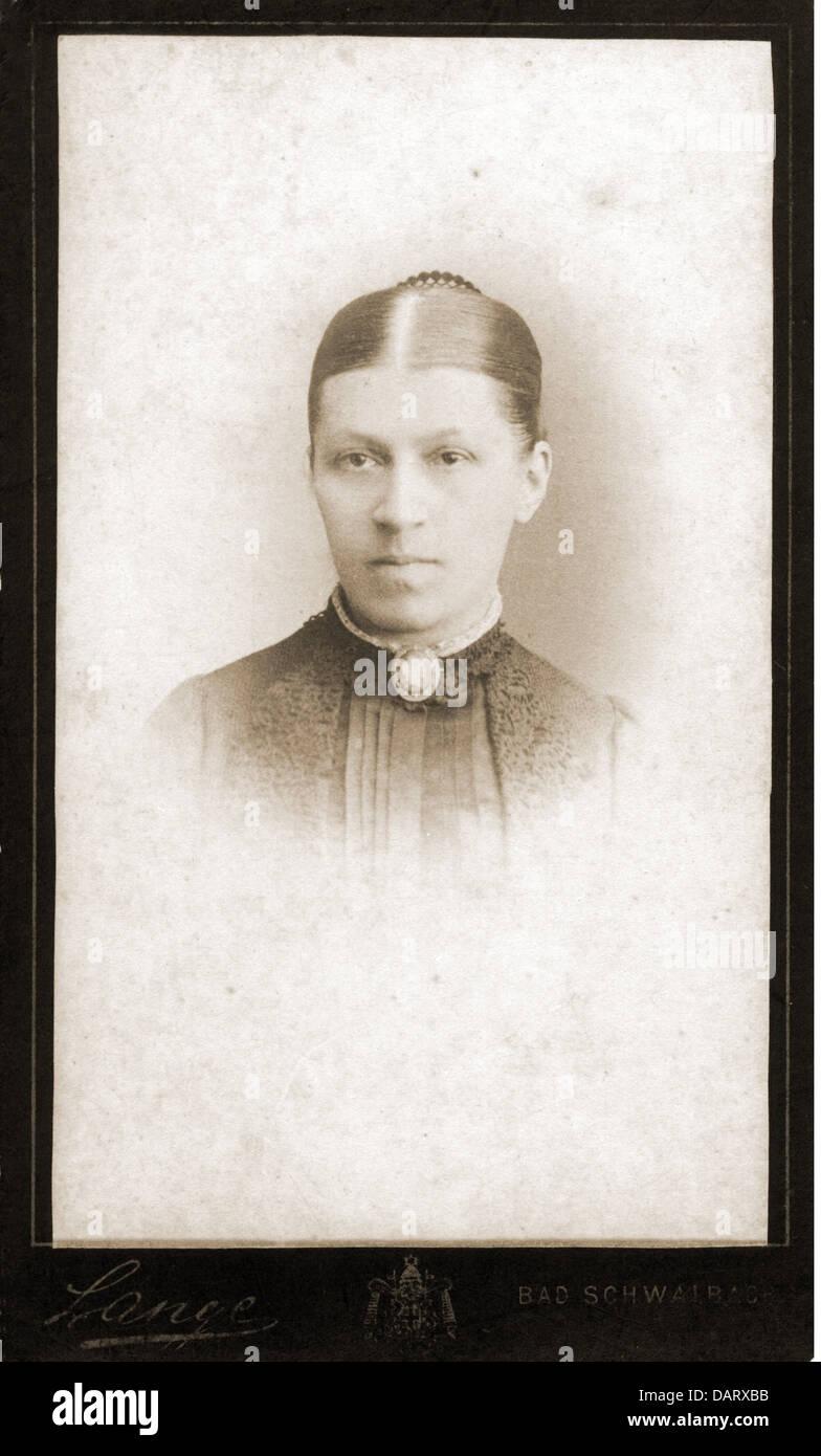 Menschen Historische Frauen Frau Portrait Fotografie Von GGLange Carte De Visite Darmstadt Deutschland Um 1900 Additional Rights