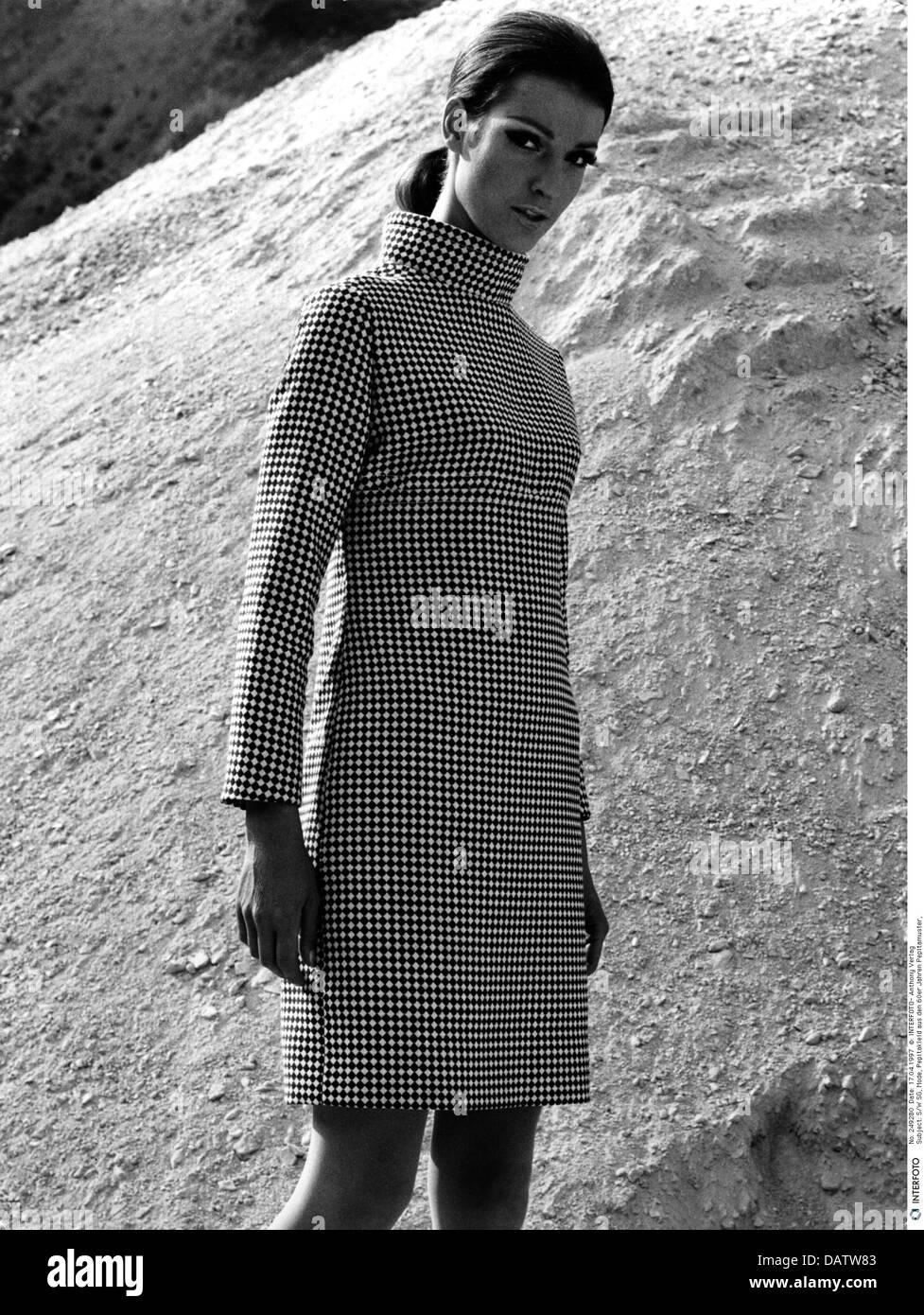 60er Jahre Kleid Stockfotos 60er Jahre Kleid Bilder Alamy