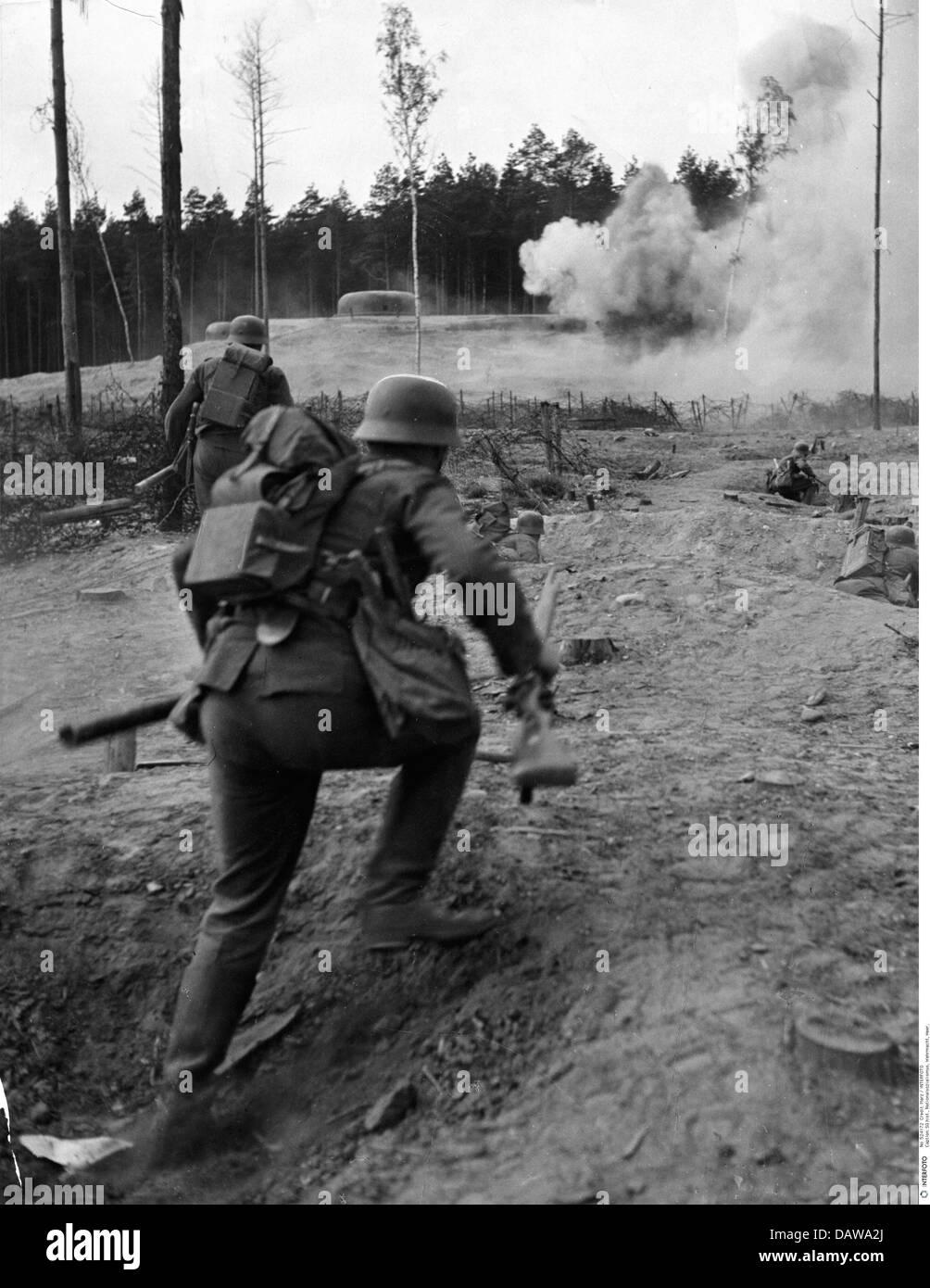 Nationalsozialismus, Militär, Wehrmacht, Armee, Ausbildung, Wehringenieure, deutsche Sturmpioniere bei Feldübungen, Stockfoto