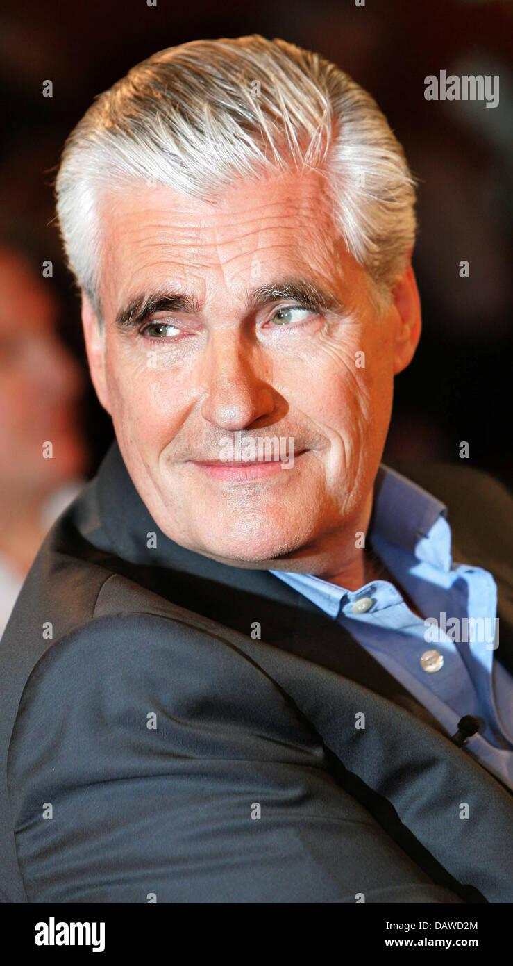 Deutscher Schauspieler Sky Du Mont Im Bild Während Des 10 Jubiläums