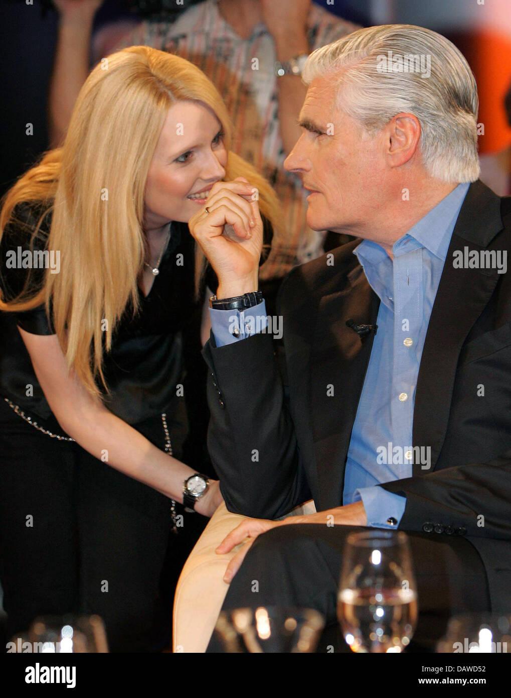 Deutsche Schauspieler Sky Du Mont R Und Seine Frau Mirja Im Bild
