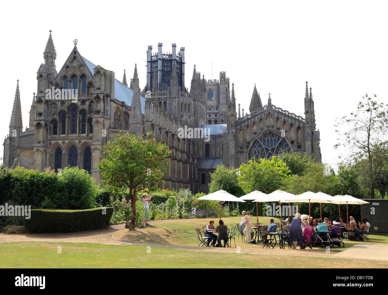 Ely, Almonry Tea Room, Restaurant, Dom, Cambridgeshire, England UK englische Tee Zimmer Kathedralen Stadt Städte Stockbild