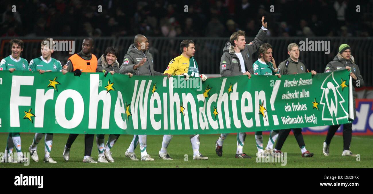 Frohe Weihnachten Werder Bremen.Die Spieler Von Bremen Wunschen Ihren Fans Ein Frohes