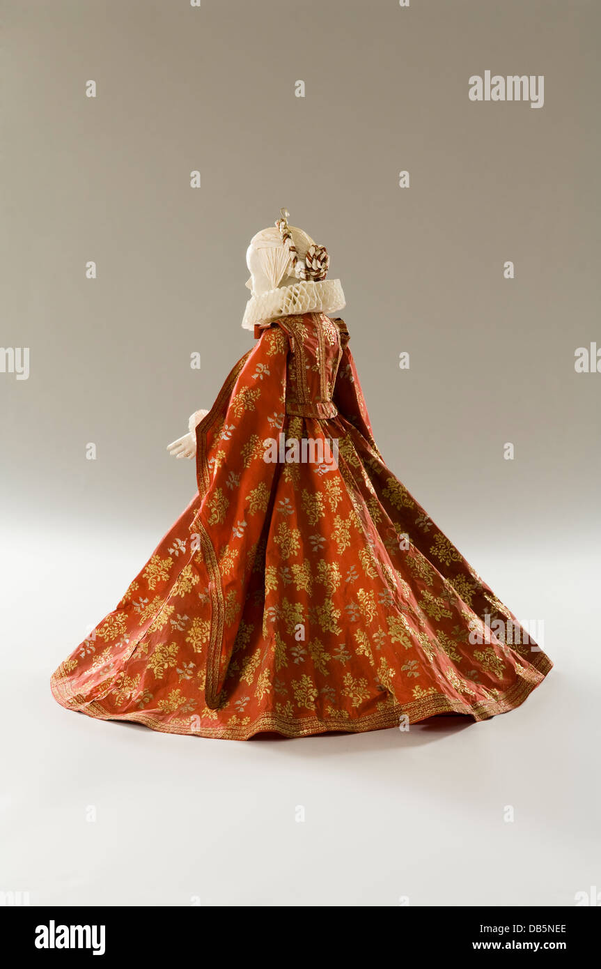 Schaufensterpuppe in Papier Kleid Kostüm robe Stockbild