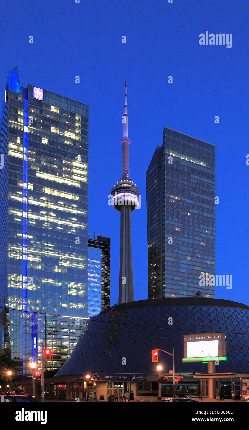 Kanada, Ontario, Toronto, Roy Thomson Hall, CN Tower, Stockbild