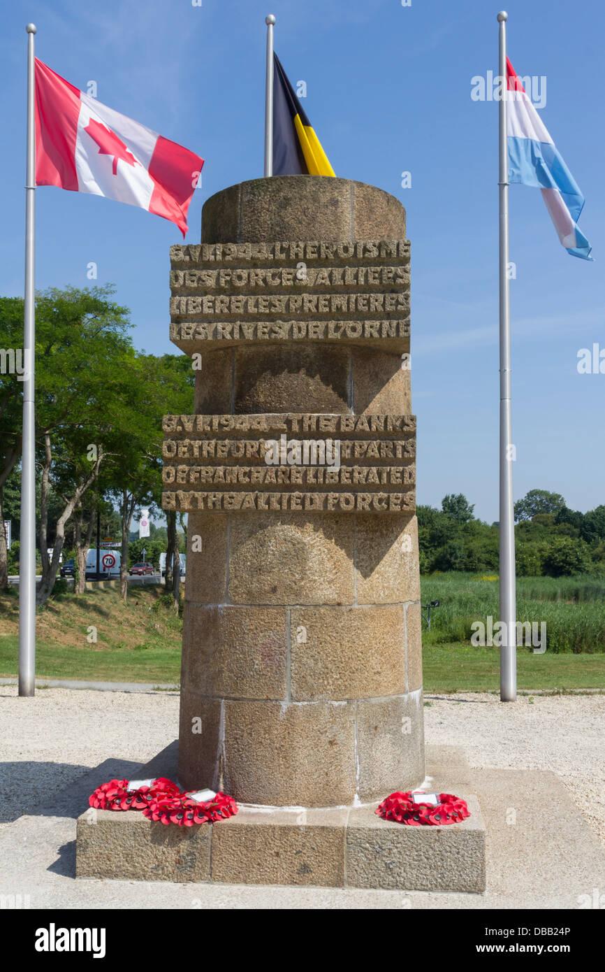 """Frankreich Normandie, Ranville, Denkmal für """"Erste Teile Frankreichs durch die Alliierten befreit"""" Stockbild"""