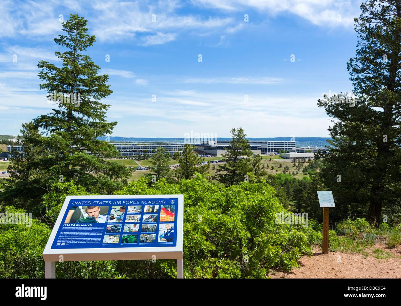 Blick über die United States Air Force Academy, Colorado Springs, Colorado, USA Stockbild