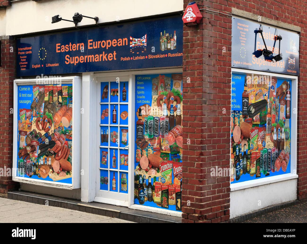 Östlichen europäischen Supermarkt, Kings Lynn, Norfolk, England UK Osten europäische Einwanderer Stockbild