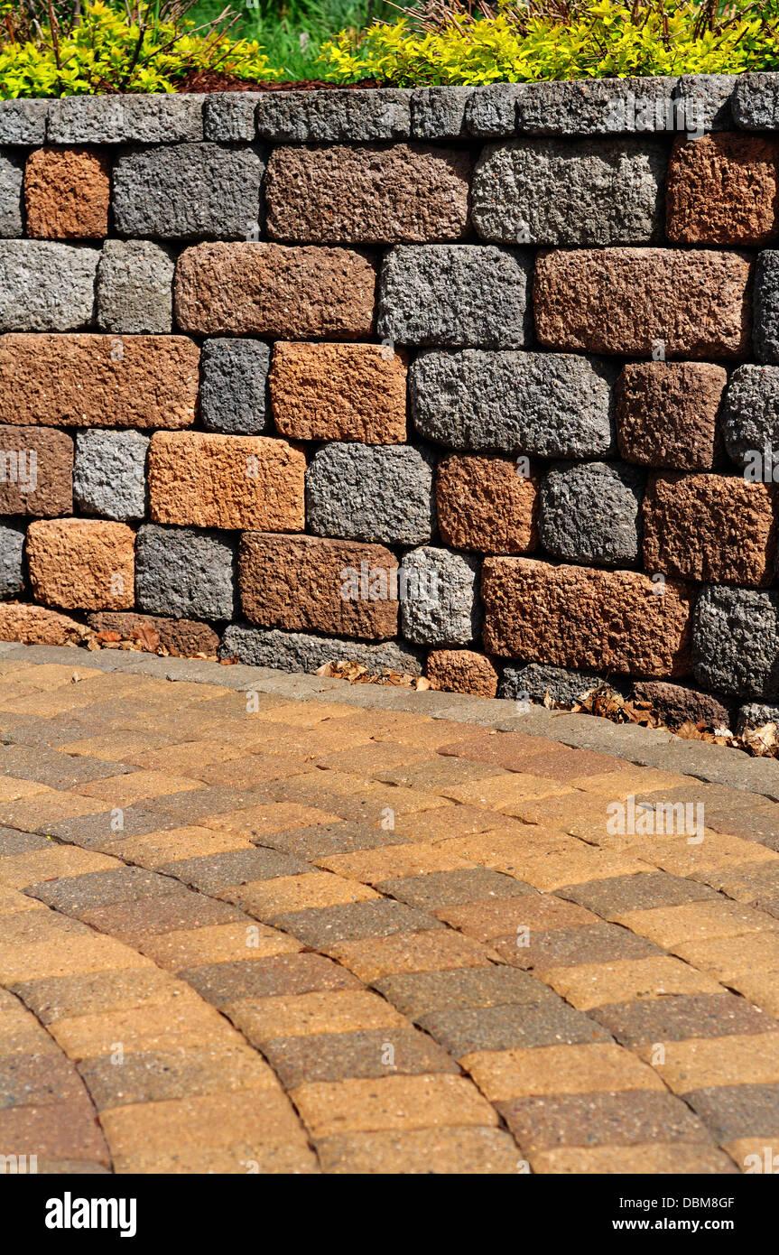 Garten Mauer Und Terrasse Stockfoto Bild 58838095 Alamy
