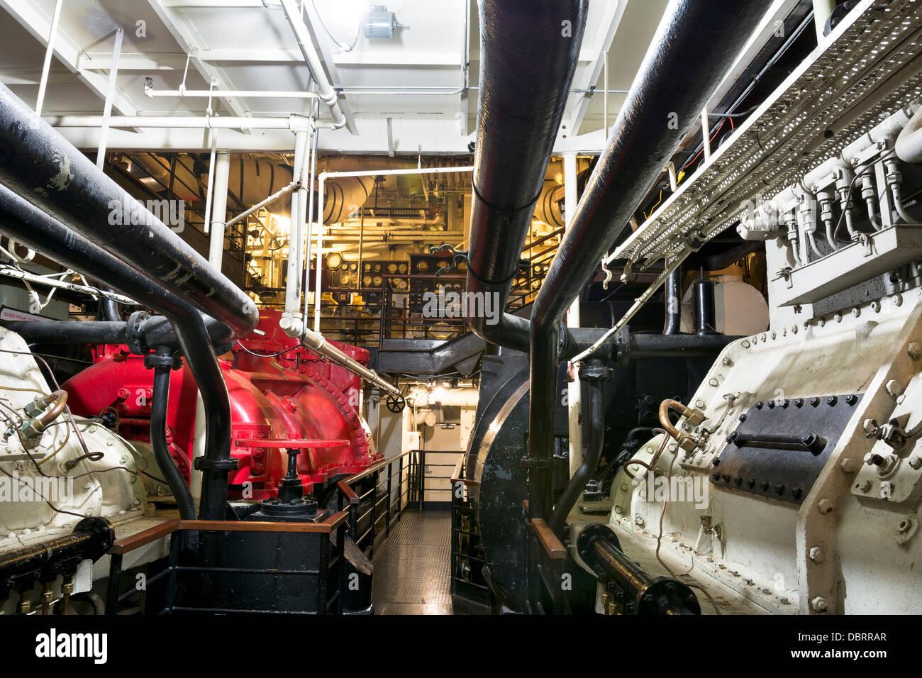 Ship engine controls stockfotos ship engine controls for Triple e motors long beach ca
