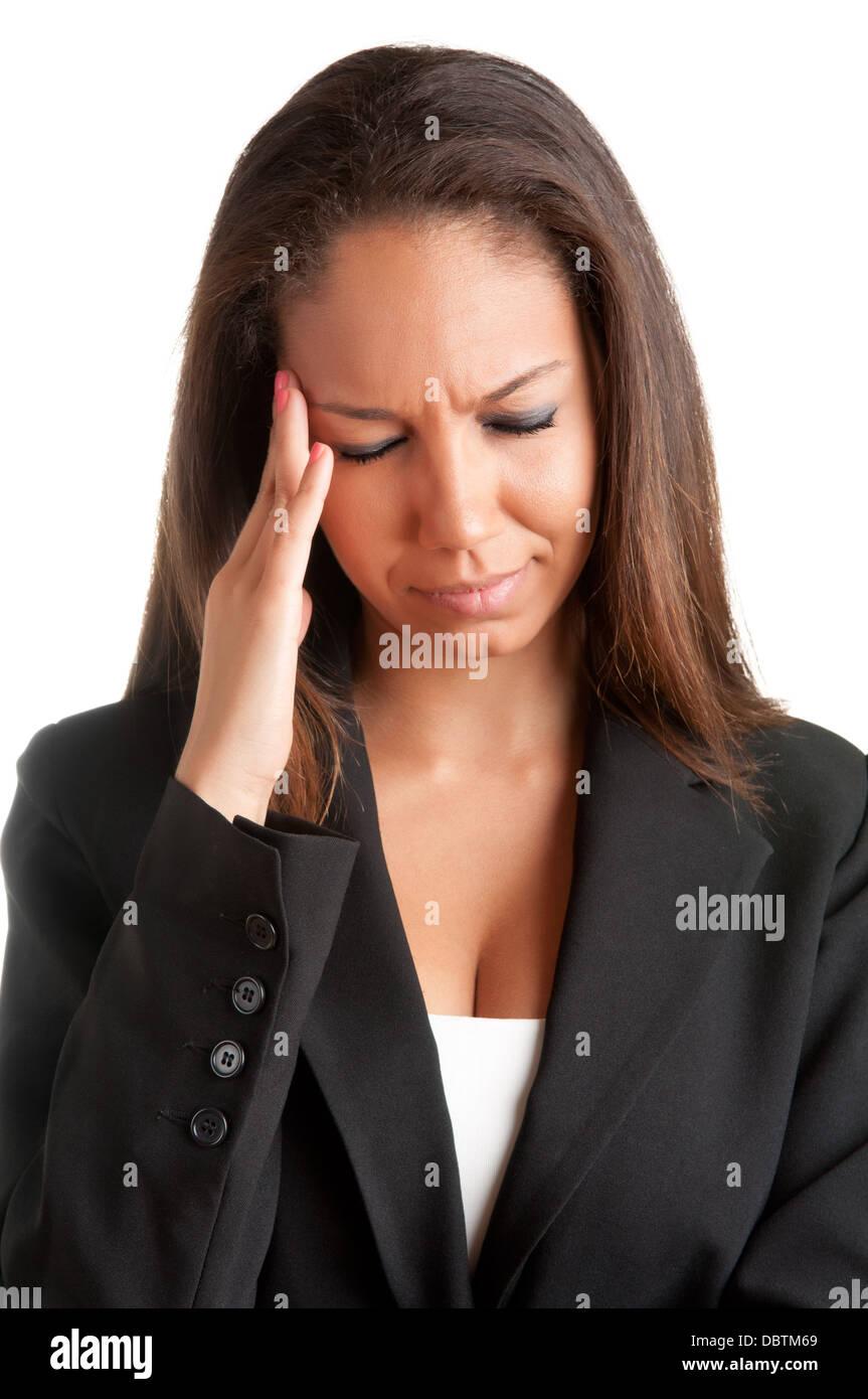 Business-Frau leidet ein Kopfschmerzen, hielt sie die Hände auf den Kopf Stockbild