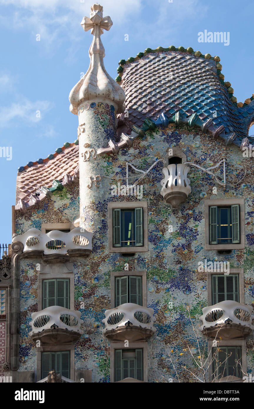 casa batllo ein haus entworfen von antonio gaudi und bewundert von salvador dali passeig de. Black Bedroom Furniture Sets. Home Design Ideas