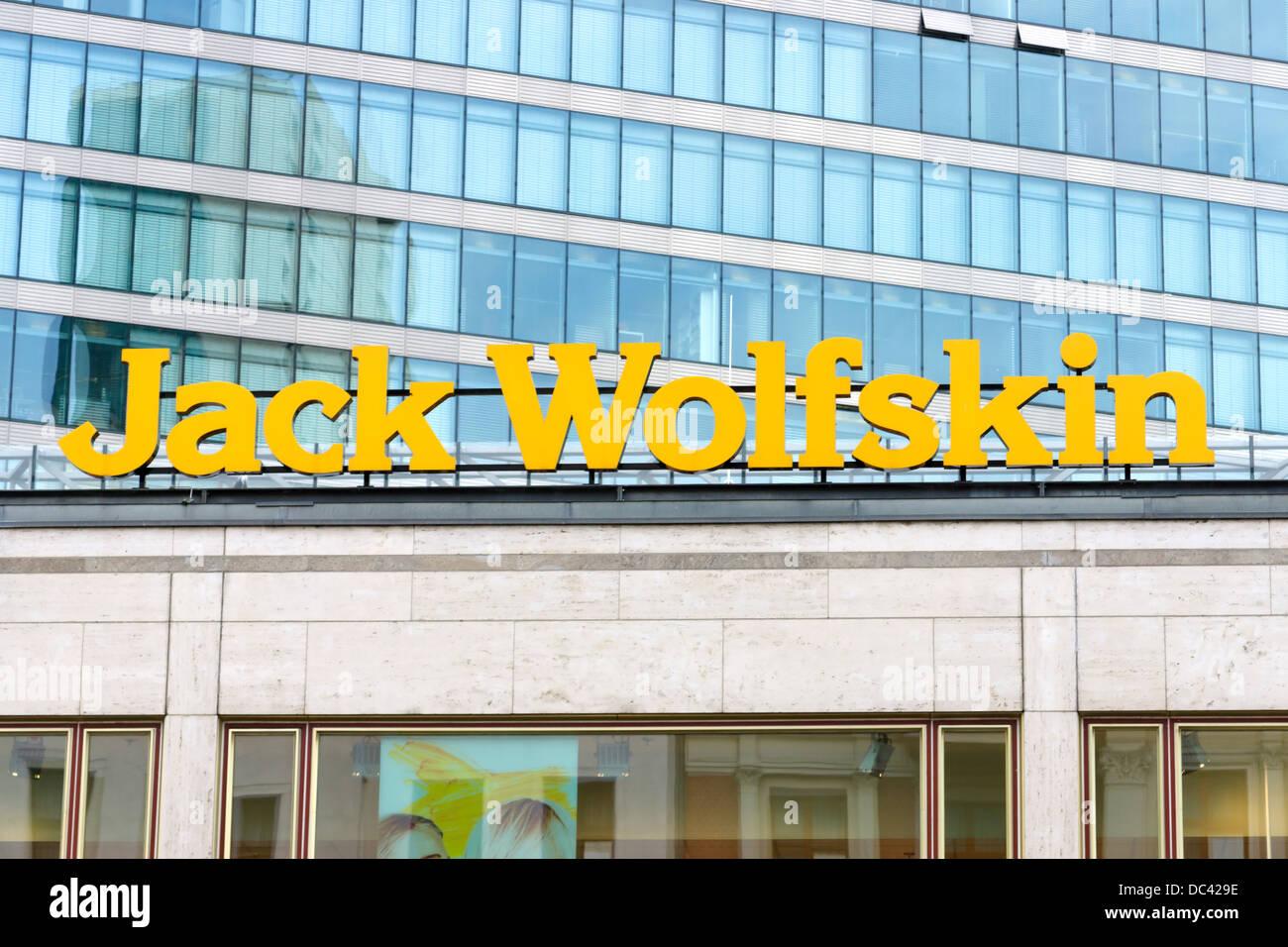 da187d1da40212 Das Emblem von Jack Wolfskin · Kohl-Photo   Alamy Stock Foto