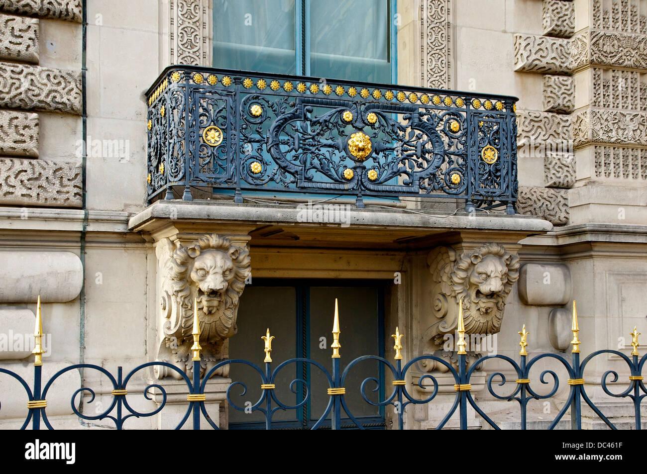 Ein Neorenaissance Balkon (19. Jh.), Pavillon de Flore, Louvre Tuileries Ensemble, Paris. Stockbild
