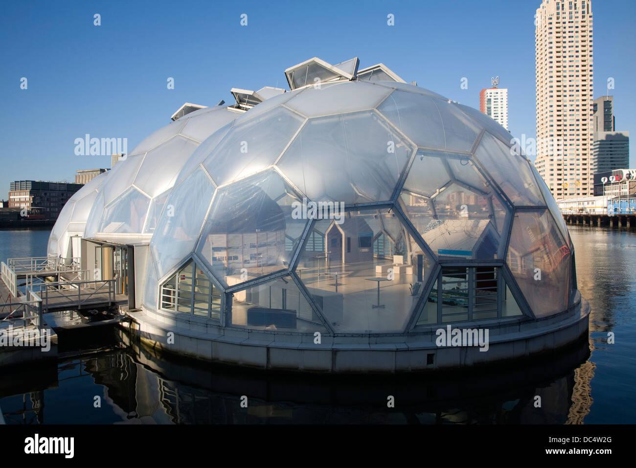 Schwebende Pavillon nachhaltige Architektur Rotterdam Niederlande Stockbild