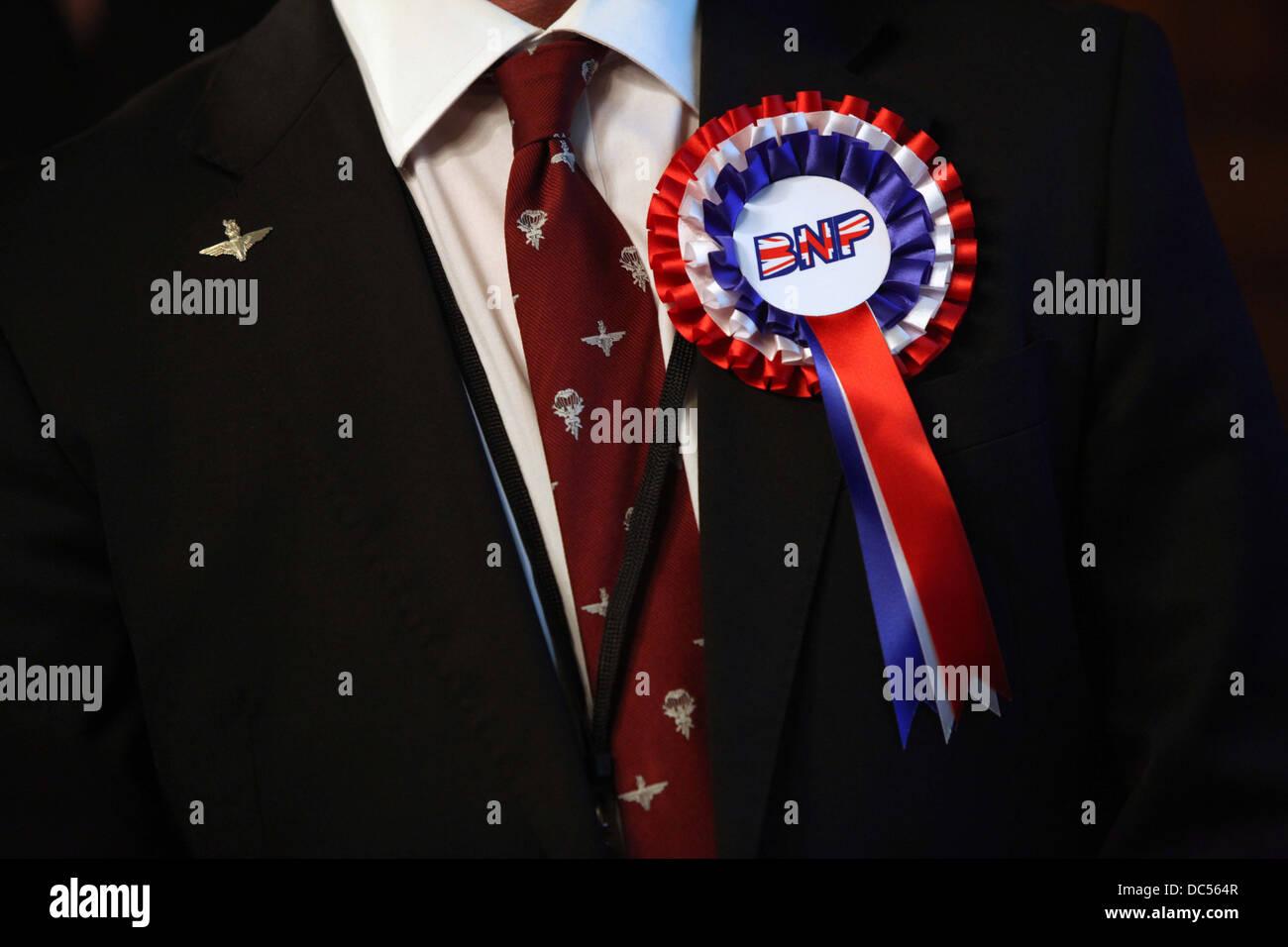 Wahl des Europäischen Parlaments in der Nord-West Ergebnisse Nacht um Manchester Town Hall 2009 BNP Unterstützer Stockfoto