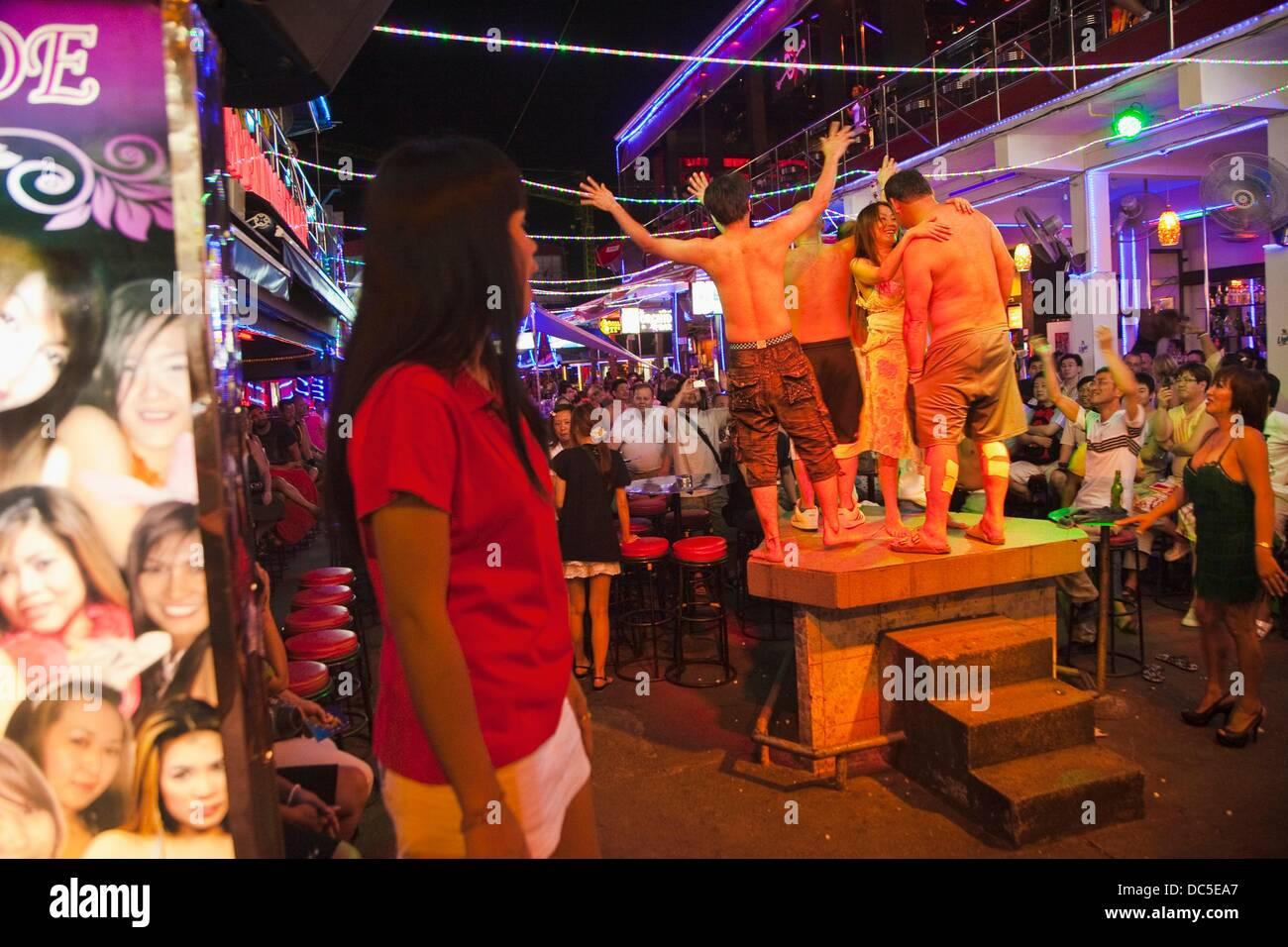 Nachtleben-Lady und Ladyboys Blanga Straße Patong Phuket Thailand. Stockbild