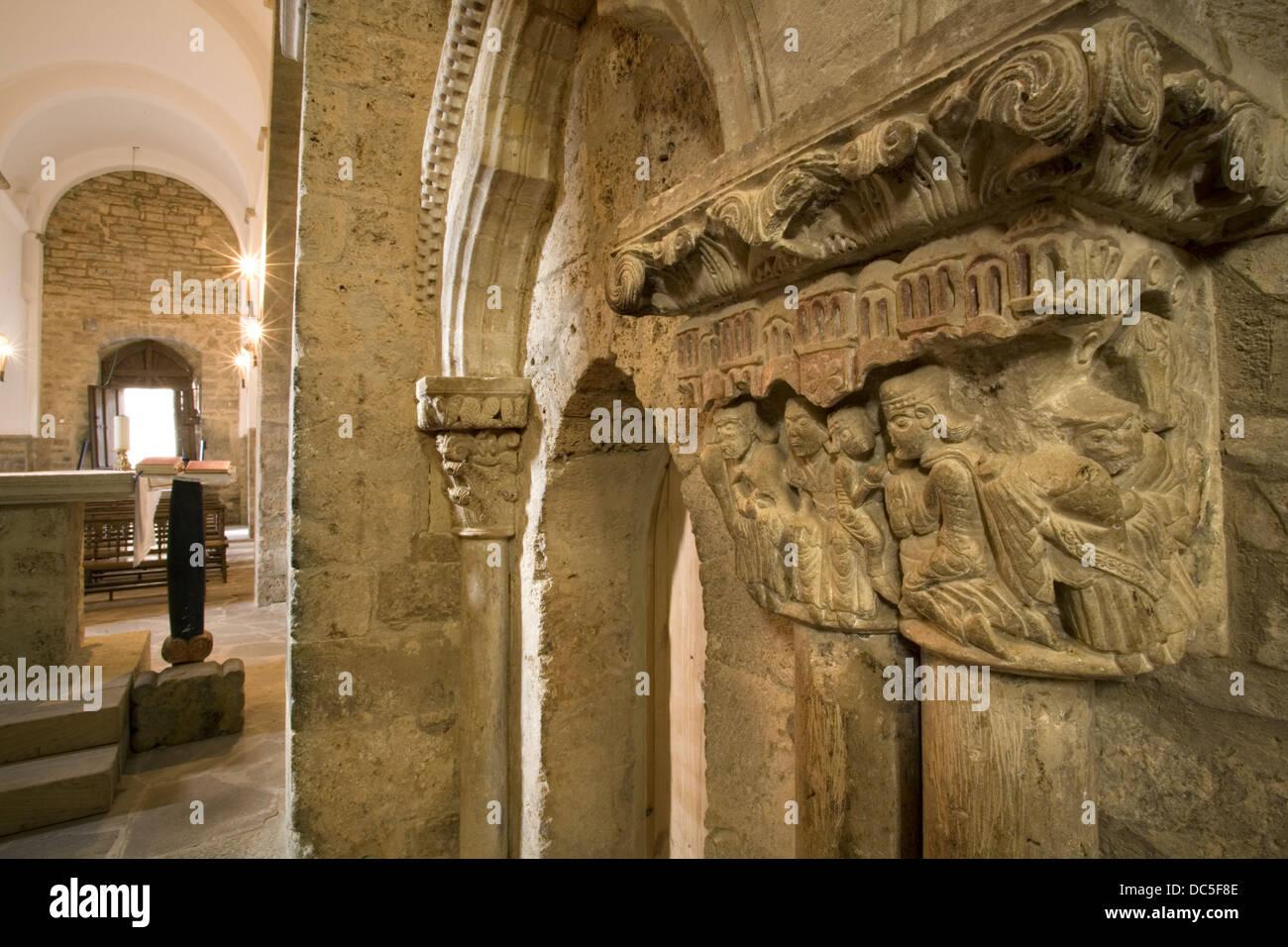 Hauptstadt, die Darstellung der Anbetung der Könige in Santa Maria la Real Kirche, Piasca, Cabezon de Liebana, Stockbild