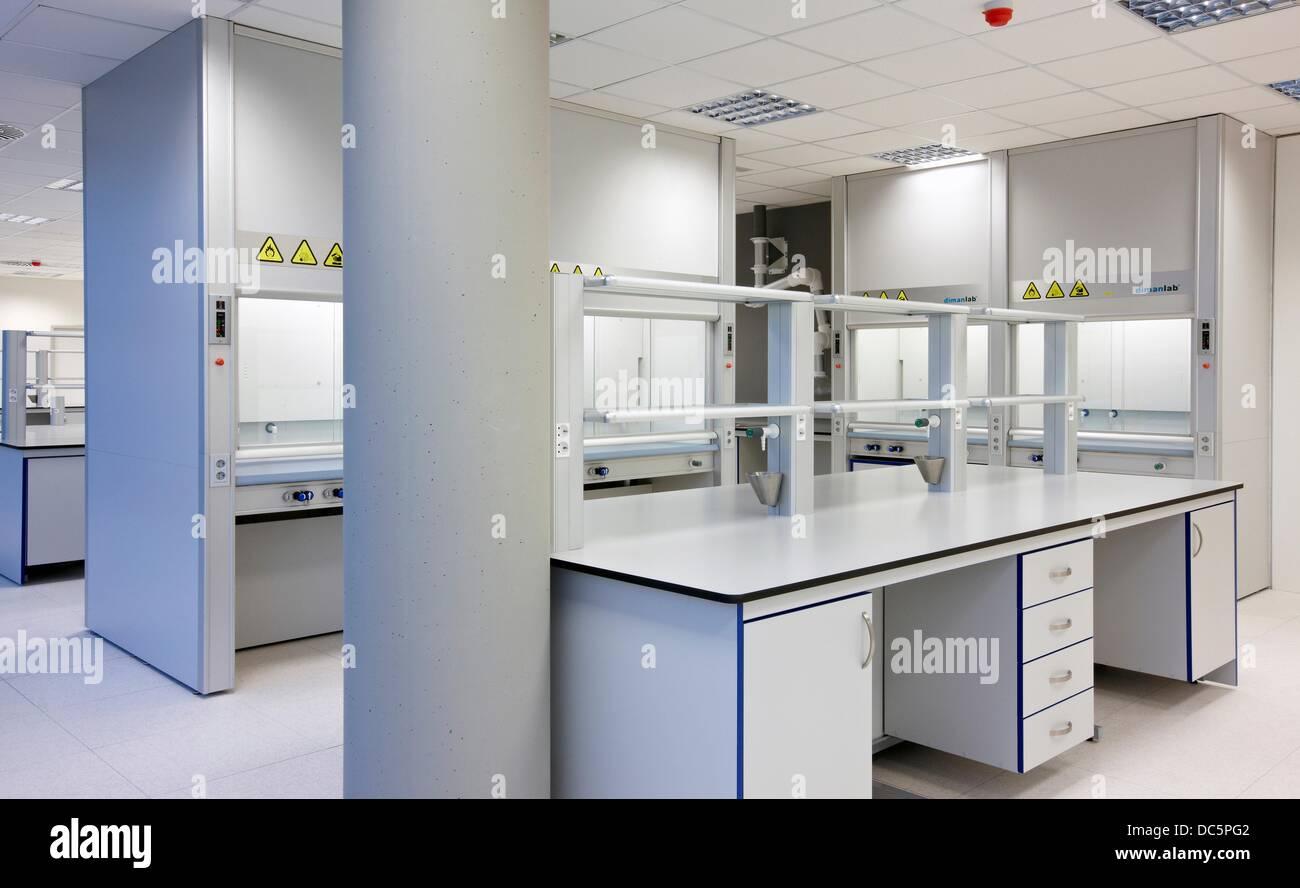 Möbel einer Chemie Labor, Biomedizin, Donostia, Gipuzkoa, San Sebastian, Baskenland, Spanien Stockbild