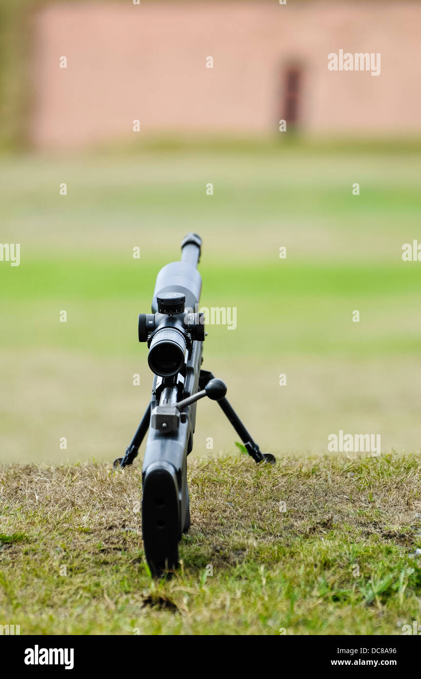 Eine Remington 700 Repetierer Sniper-Gewehr auf einem Schießstand Stockbild