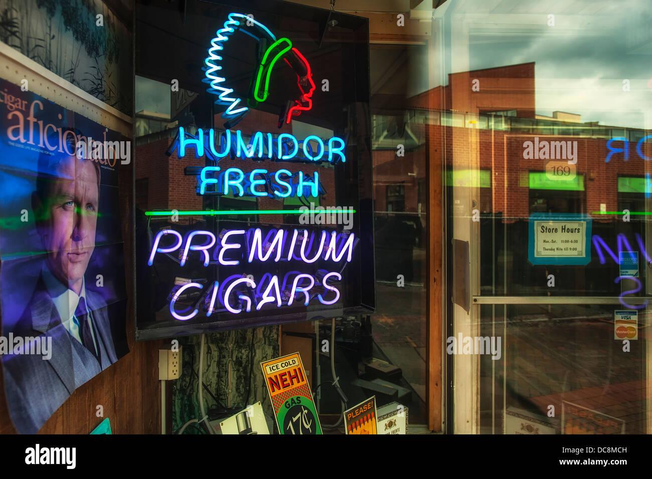 Eine redaktionelle Bild von einem Zigarrenladen. Stockbild