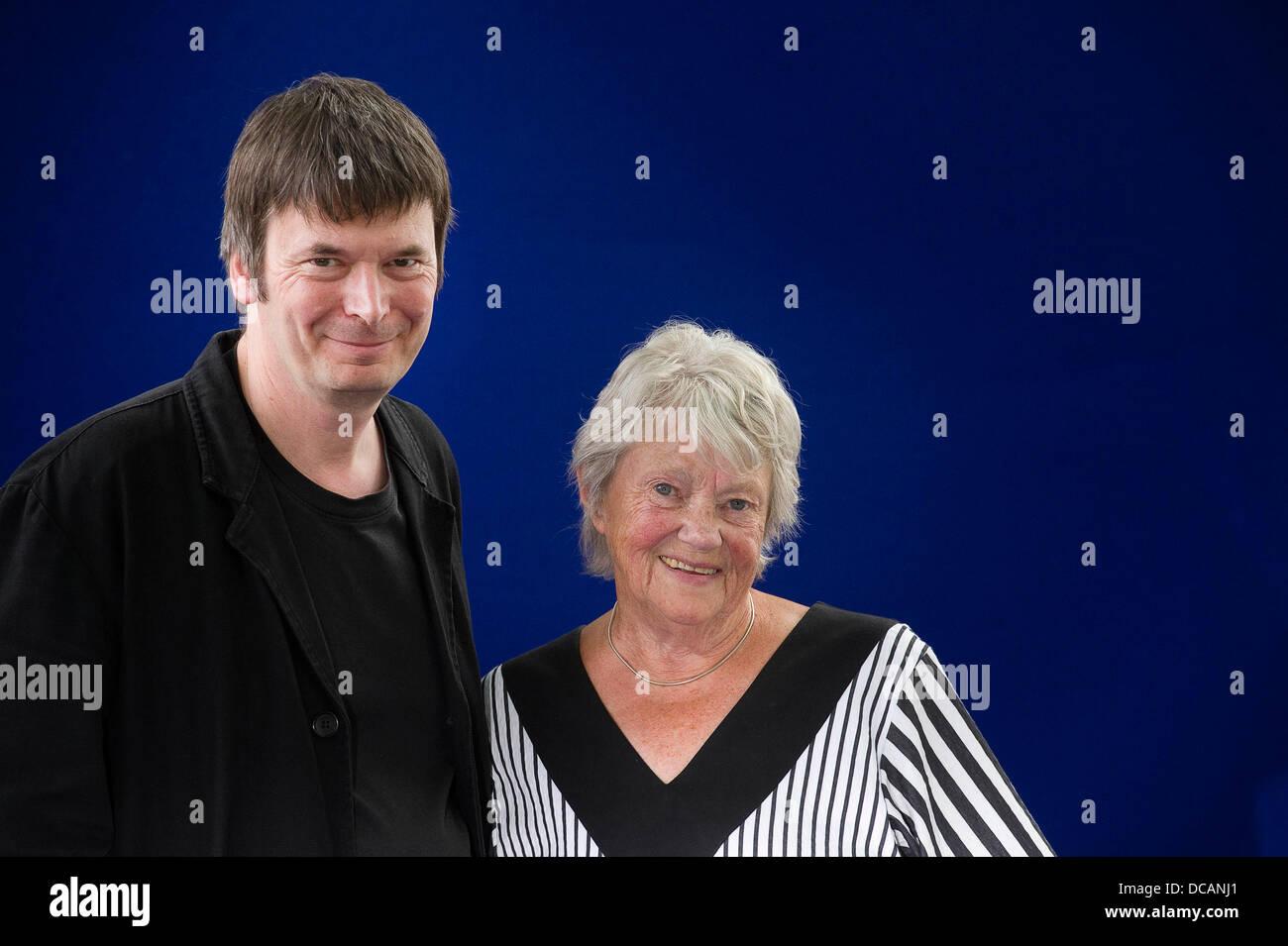 Edinburgh, UK. 14. August 2013.   Maj Sjowall und Ian Rankin beim Edinburgh International Book Festival. Alle Bilder Stockfoto
