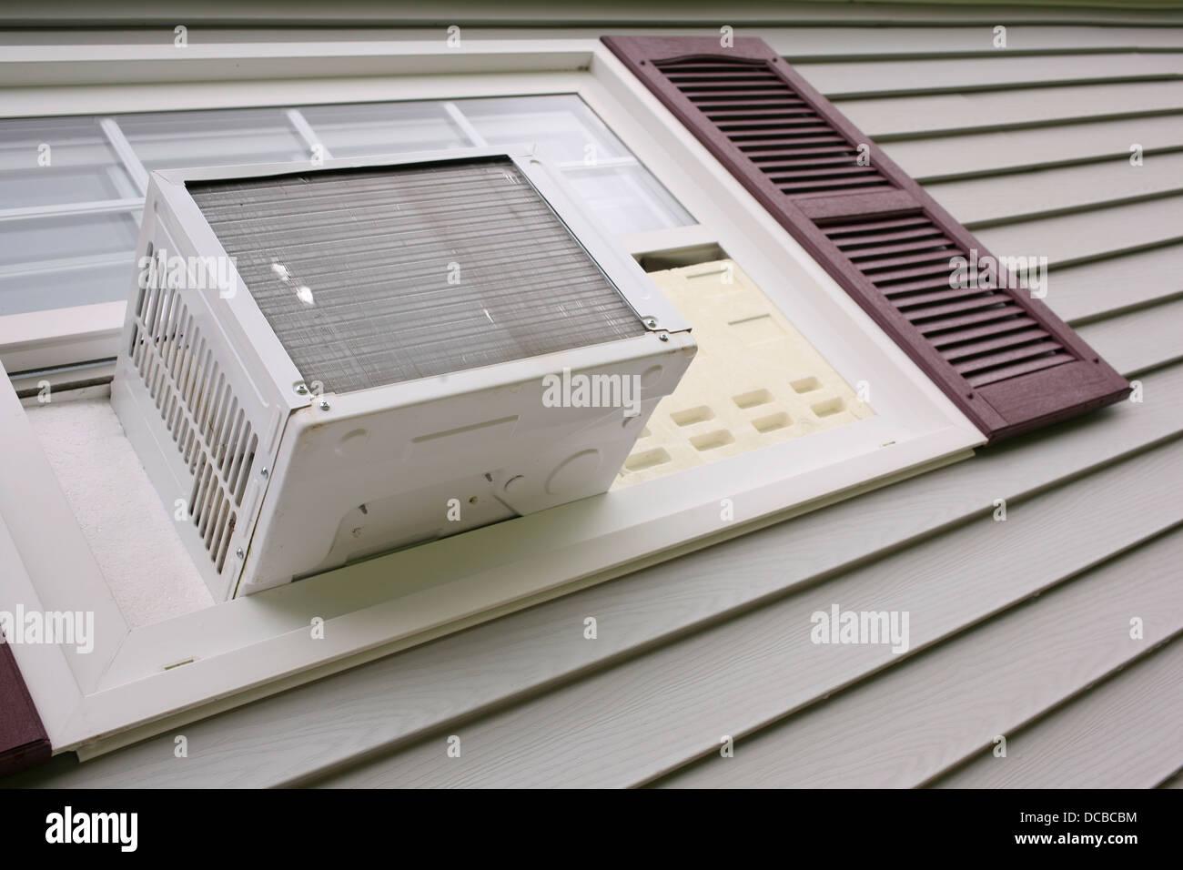 Klimaanlage Im Haus Fenster Mit Grauen Abstellgleis Stockfoto Bild