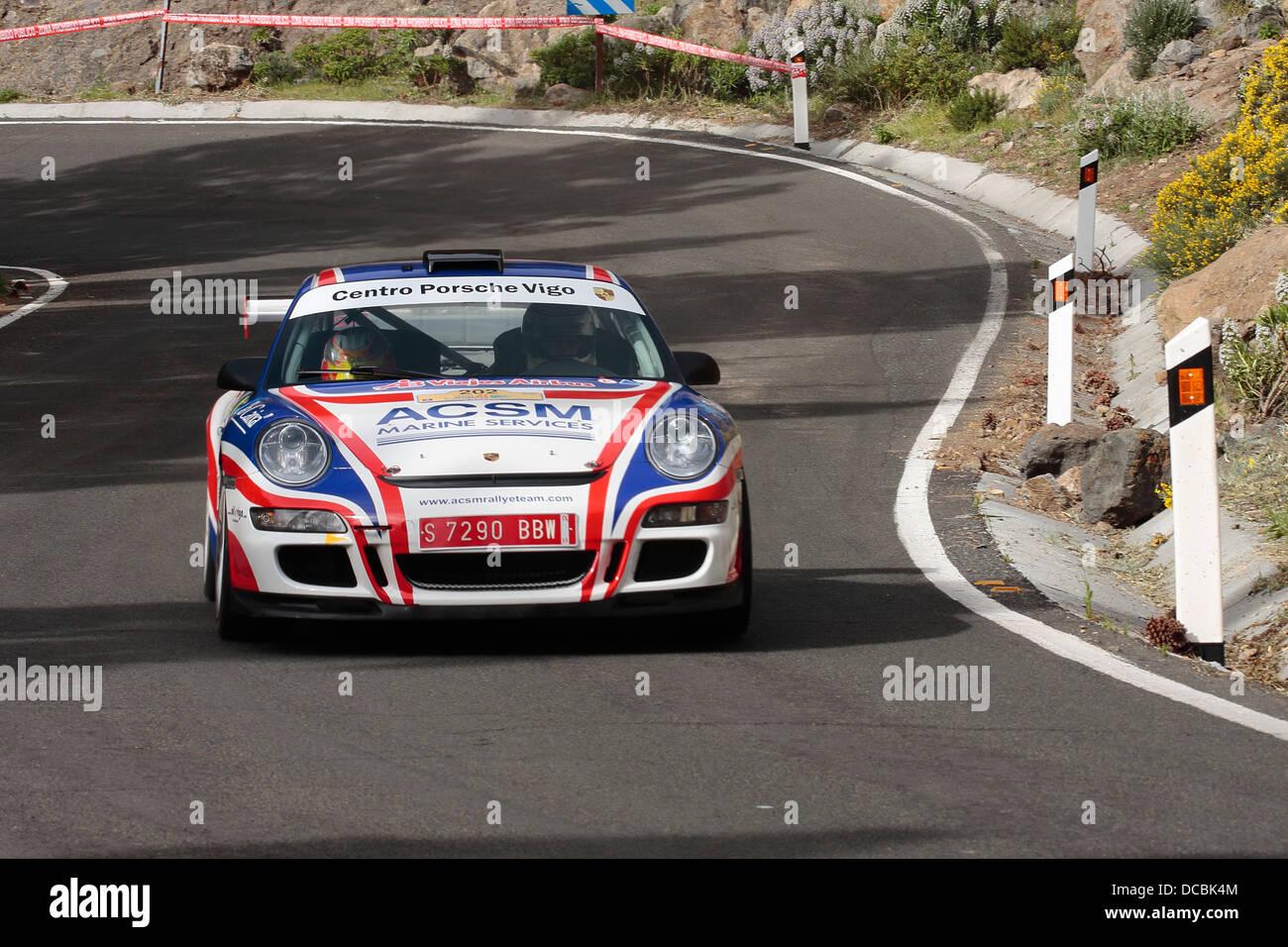Xevi Pons und Alex Haro im Wettbewerb mit dem ERC Rally Islas Canarias auf Gran Canaria. Stockbild