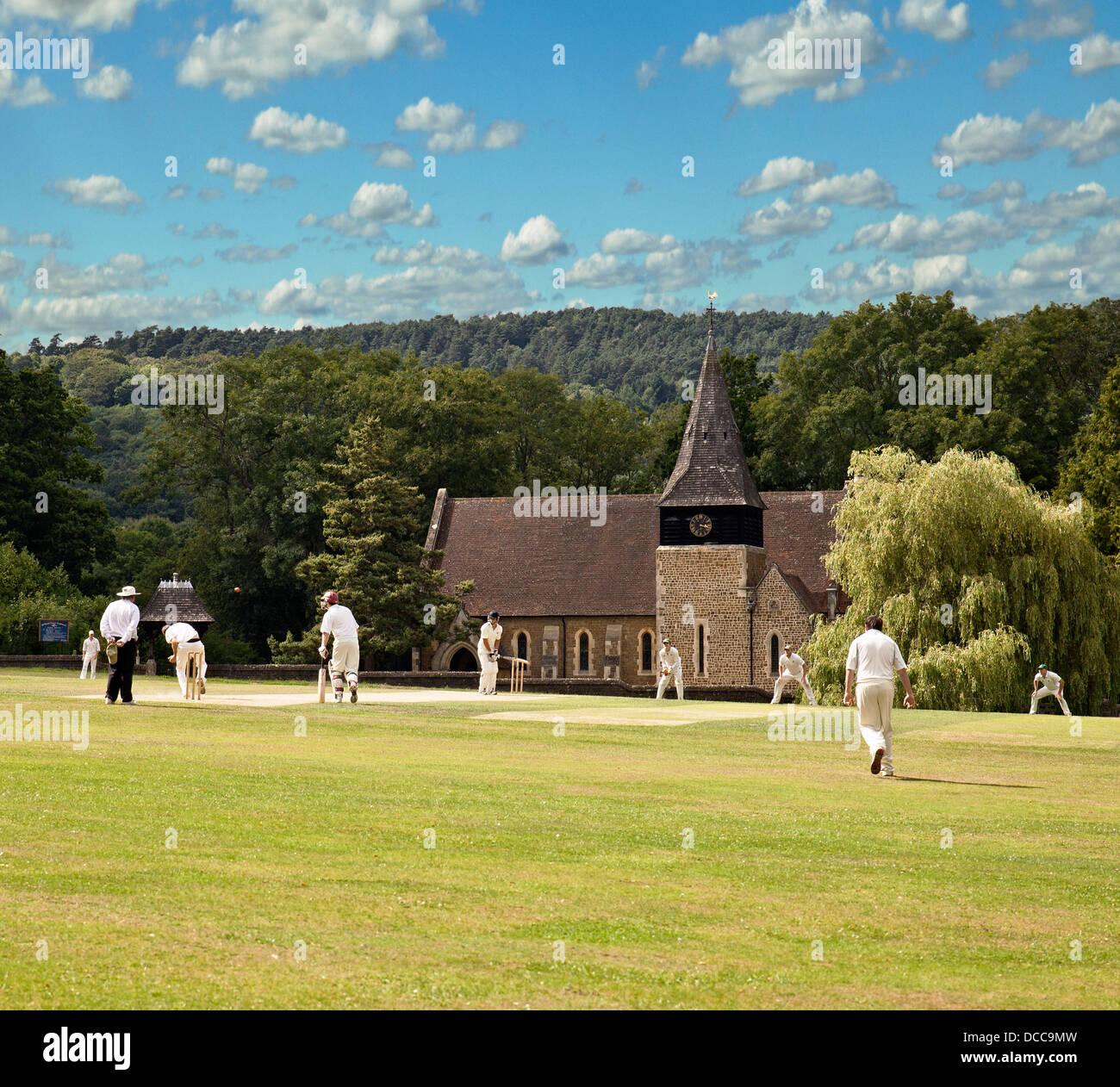 Dorf Cricket bei Grayswood, Surrey. Stockbild