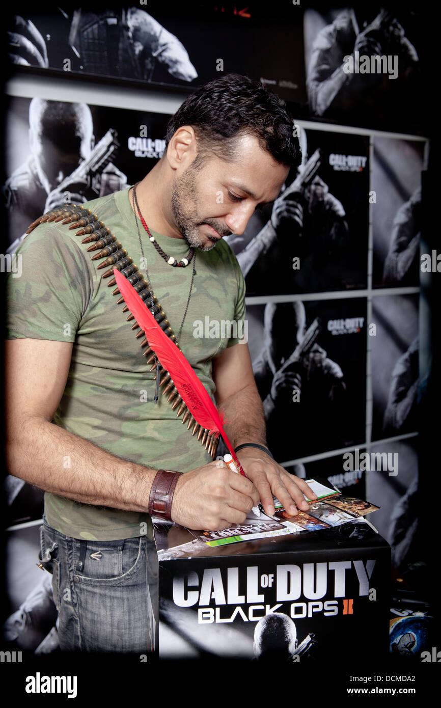 Der Schauspieler Cas Anvar bei einer Autogrammstunde Computer Xbox ps3 Gaming-Spiel Stockbild