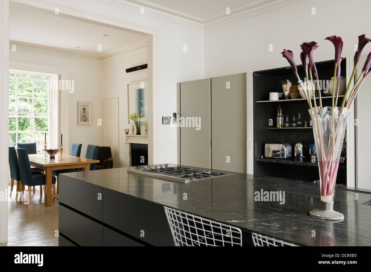 Minotti Küche mit optimierten Schränke und Granit-Insel mit ...