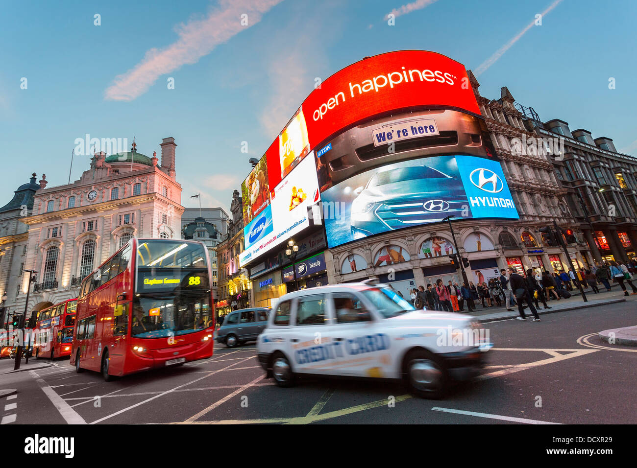 london taxi sign stockfotos london taxi sign bilder alamy. Black Bedroom Furniture Sets. Home Design Ideas