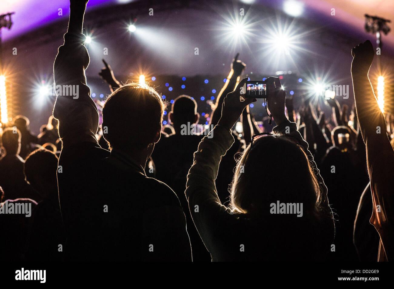 Aberystwyth Wales UK, Freitag, 23. August 2013 die Premiere des großen Tribute Festival 2013, Wales nur Musikfestival Stockbild