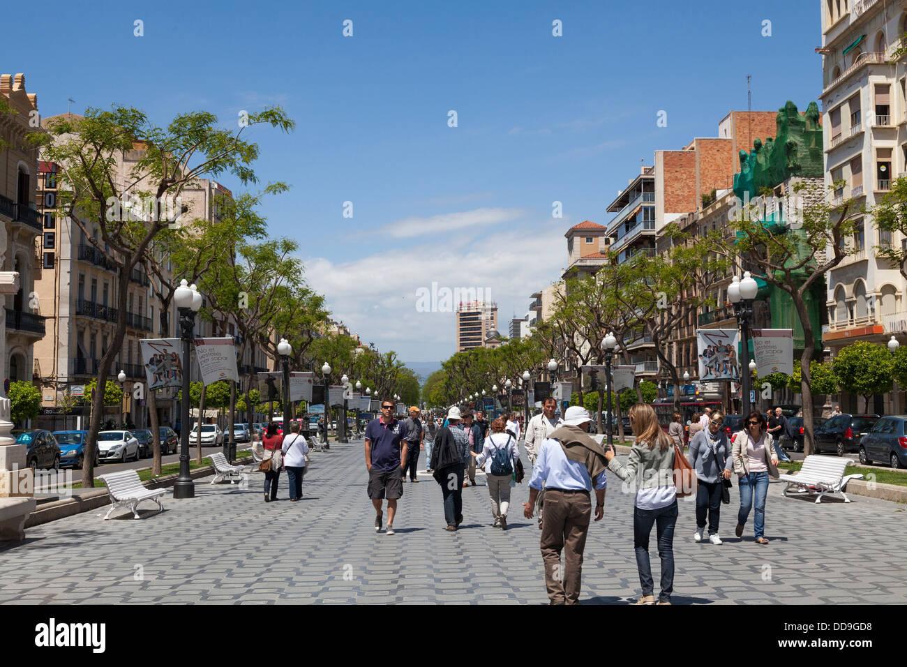 Tarragona Rambla Nova touristischen Straße Stockbild