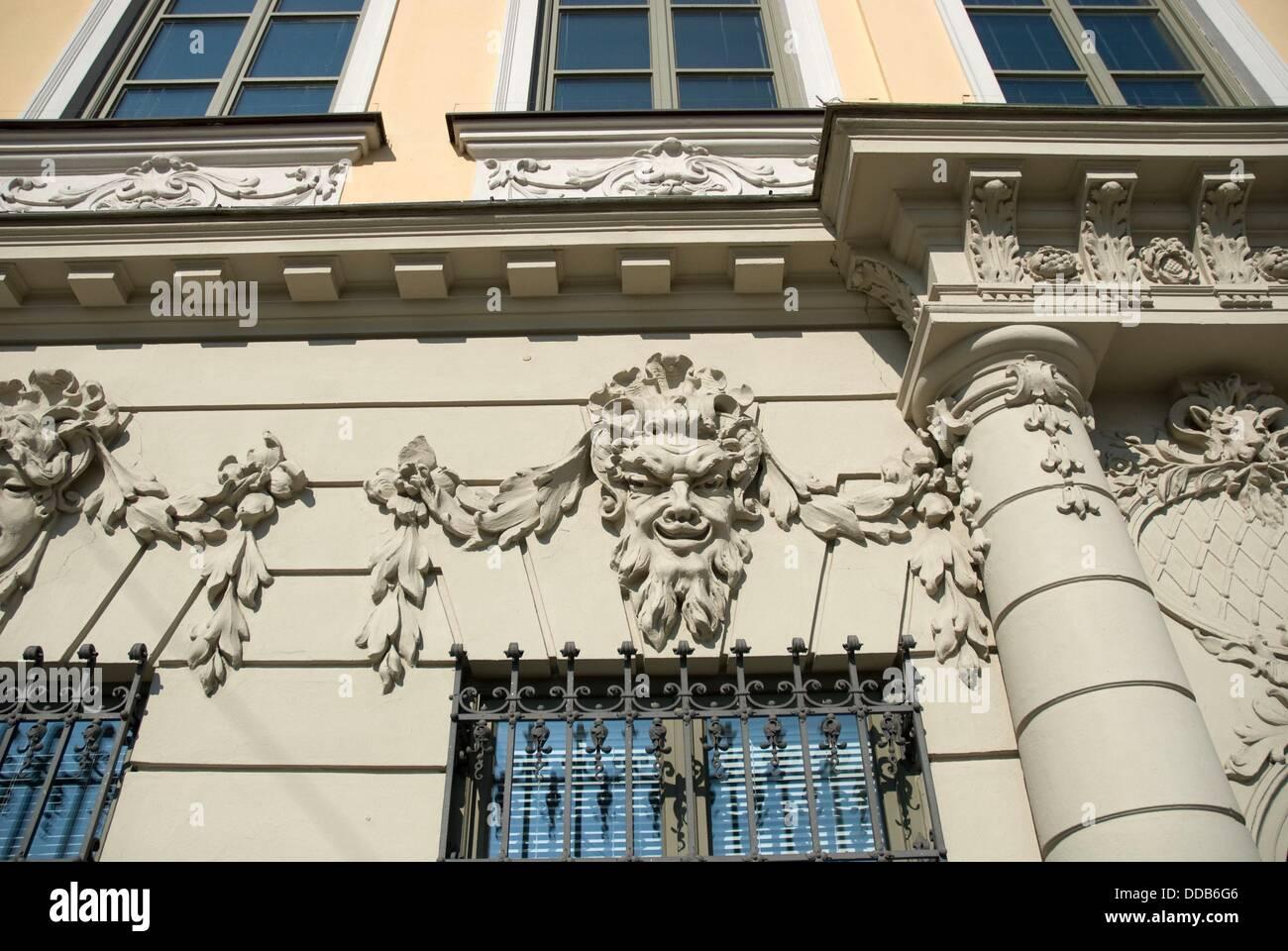 Barocke Fassade eines Stadthauses in Augsburg Stockfoto