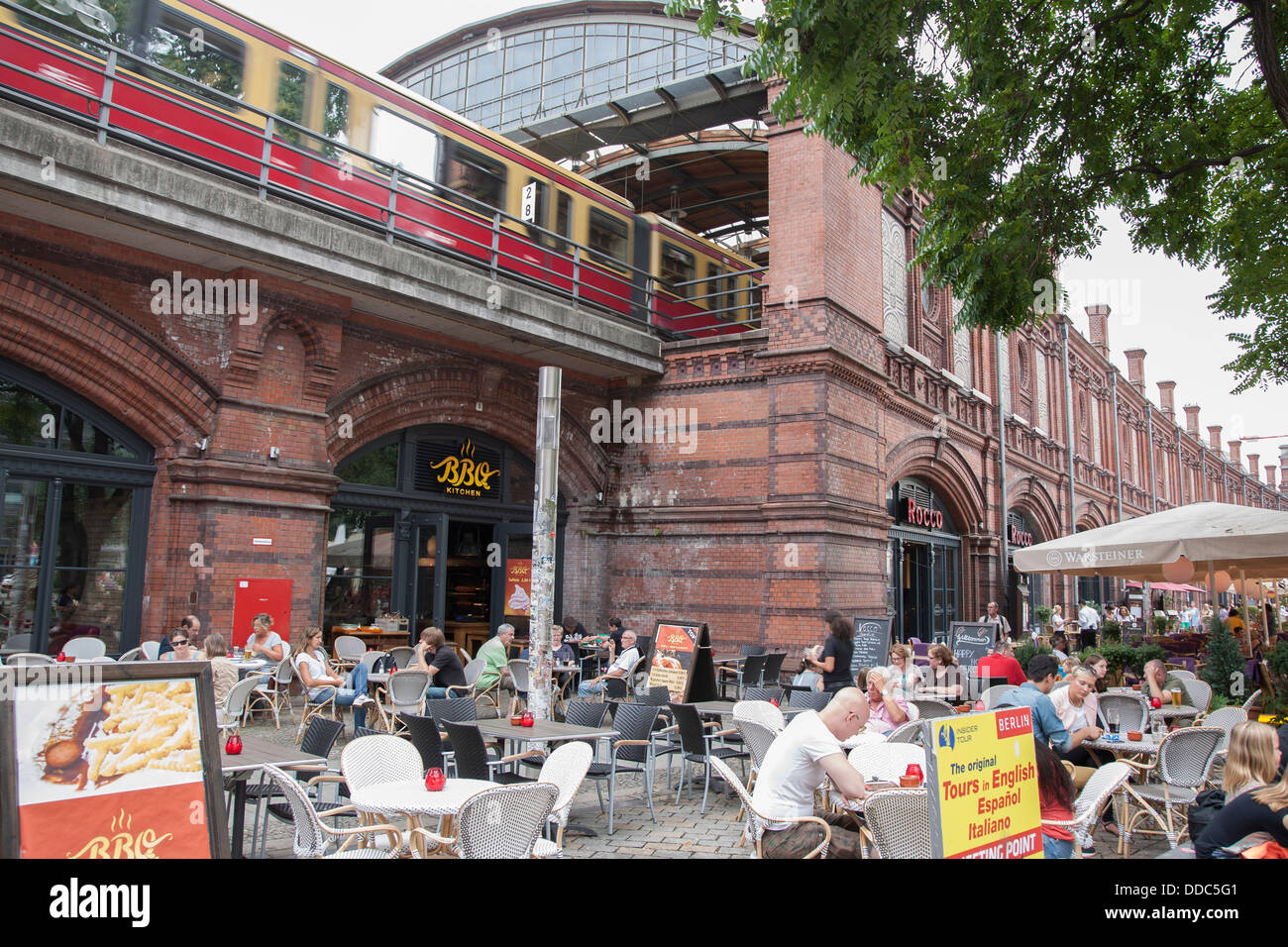 berlin hackescher markt station stockfotos berlin hackescher markt station bilder alamy. Black Bedroom Furniture Sets. Home Design Ideas