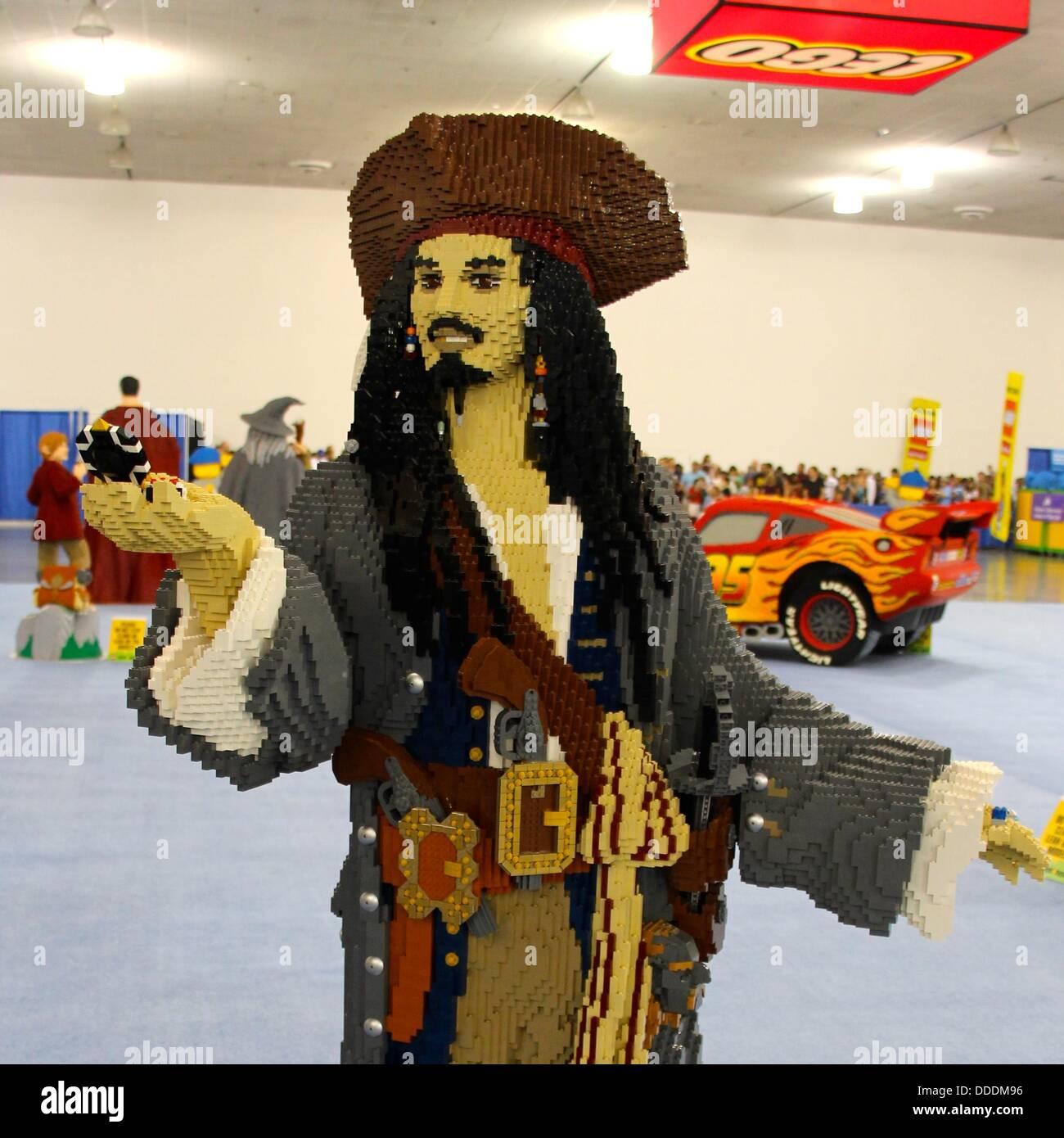 Captain Jack Sparrow Aus Fluch Der Karibik Auf Einer Lego Convention