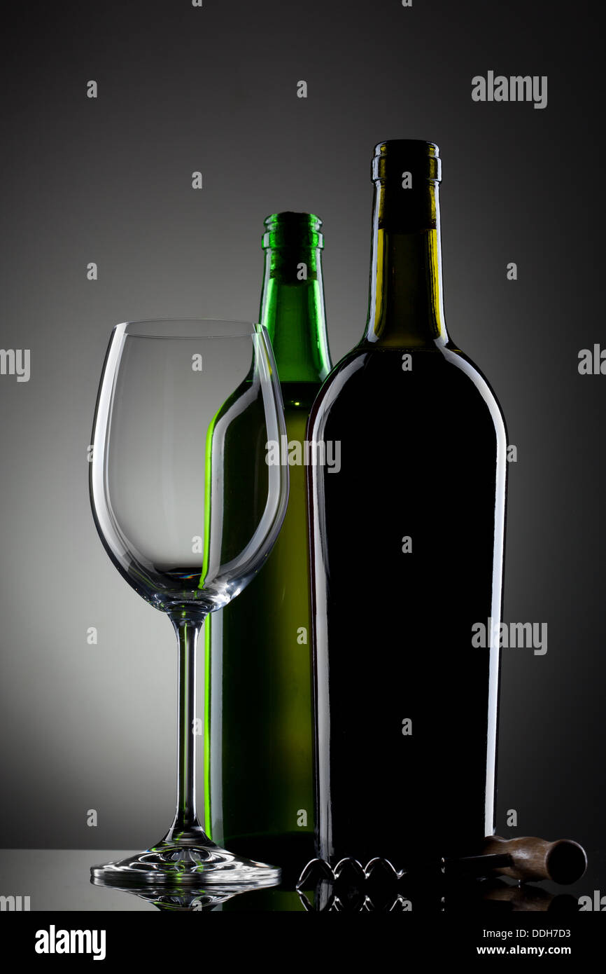 leere glas wein und flaschen stockfoto bild 60000671 alamy. Black Bedroom Furniture Sets. Home Design Ideas